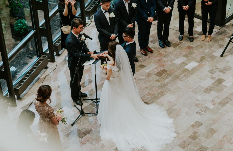 LGP-ann-arbor-eagle-crest-wedding-031.jpg