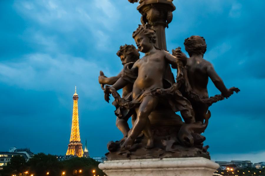 Tour-Paris-France-bridge-Eiffel-Tower.jpg