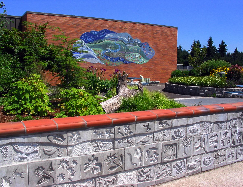 Glass mosaic and cast concrete wall, Hillsboro, Oregon