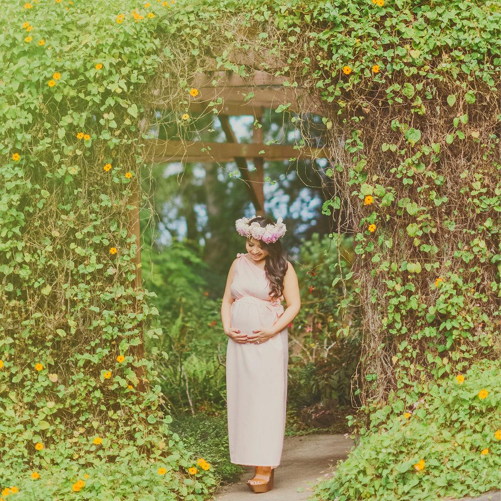 angie-diaz-photography-maui-maternity-babymoon-9.jpg