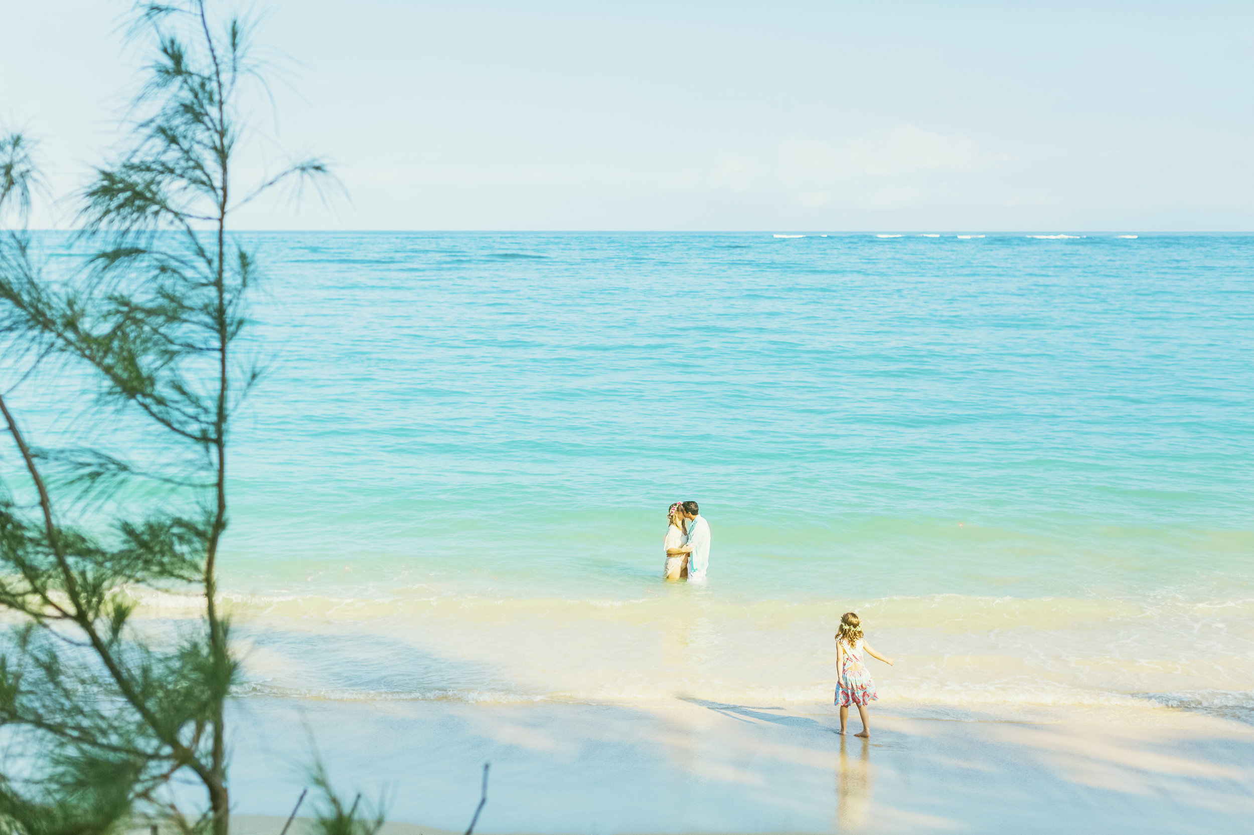 angie-diaz-photography-maui-family-maternity-kanaha-beach-20.jpeg