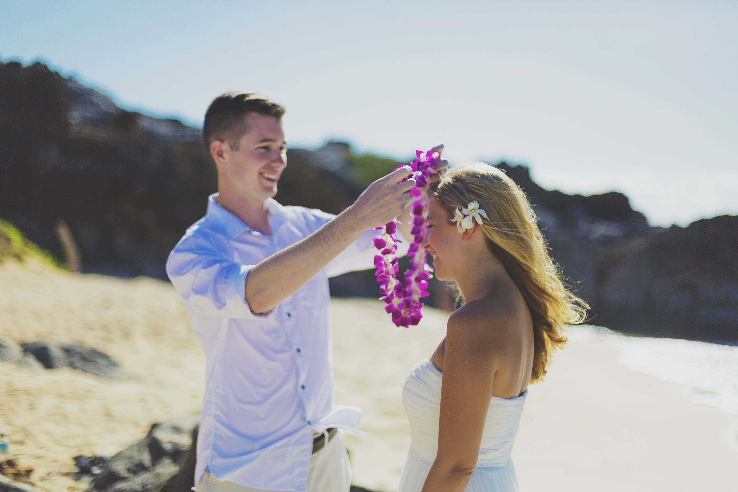 angie-diaz-photography-maui-honeymoon-hawaii-elopement-2.jpg