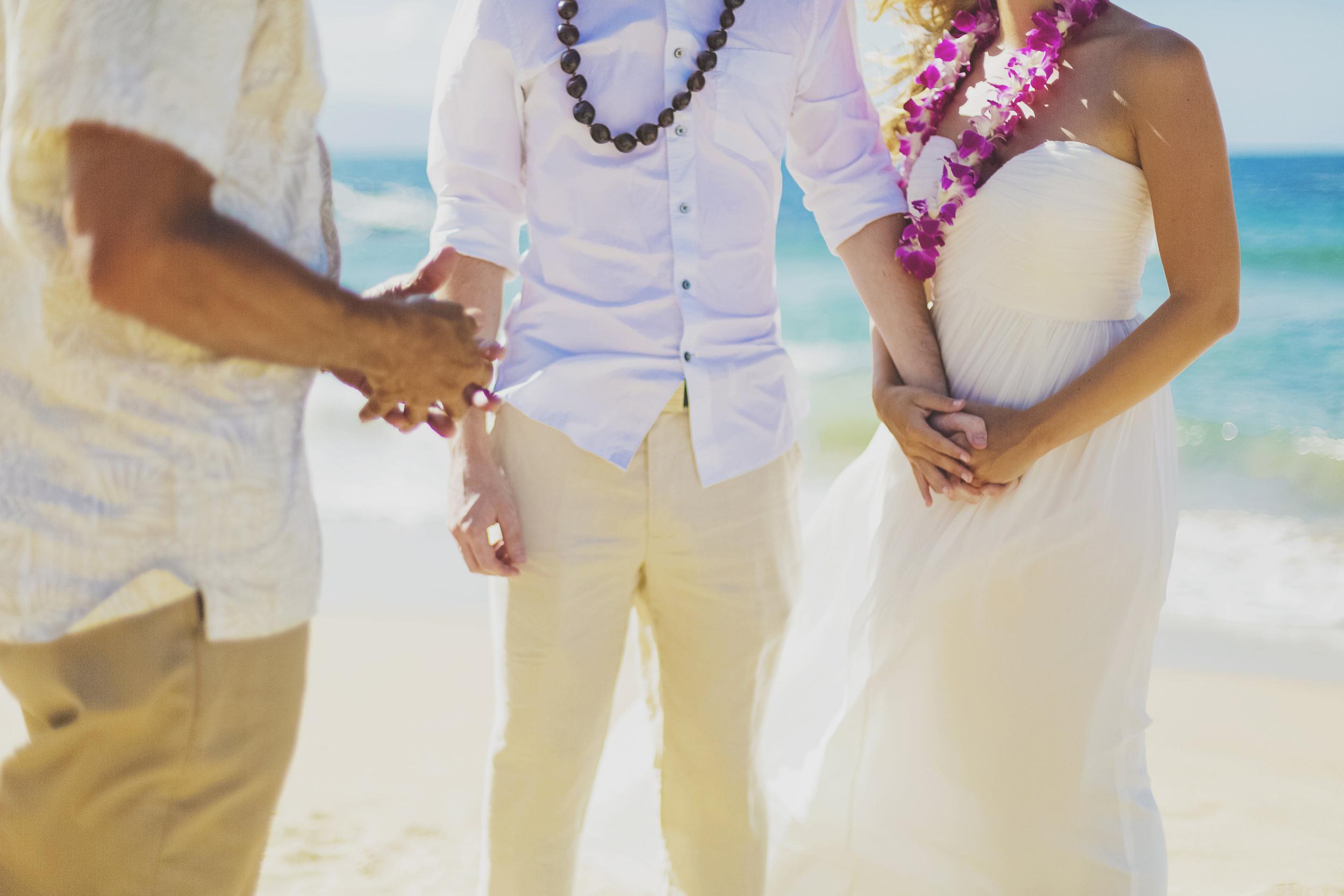 angie-diaz-photography-maui-honeymoon-hawaii-elopement-4.jpg