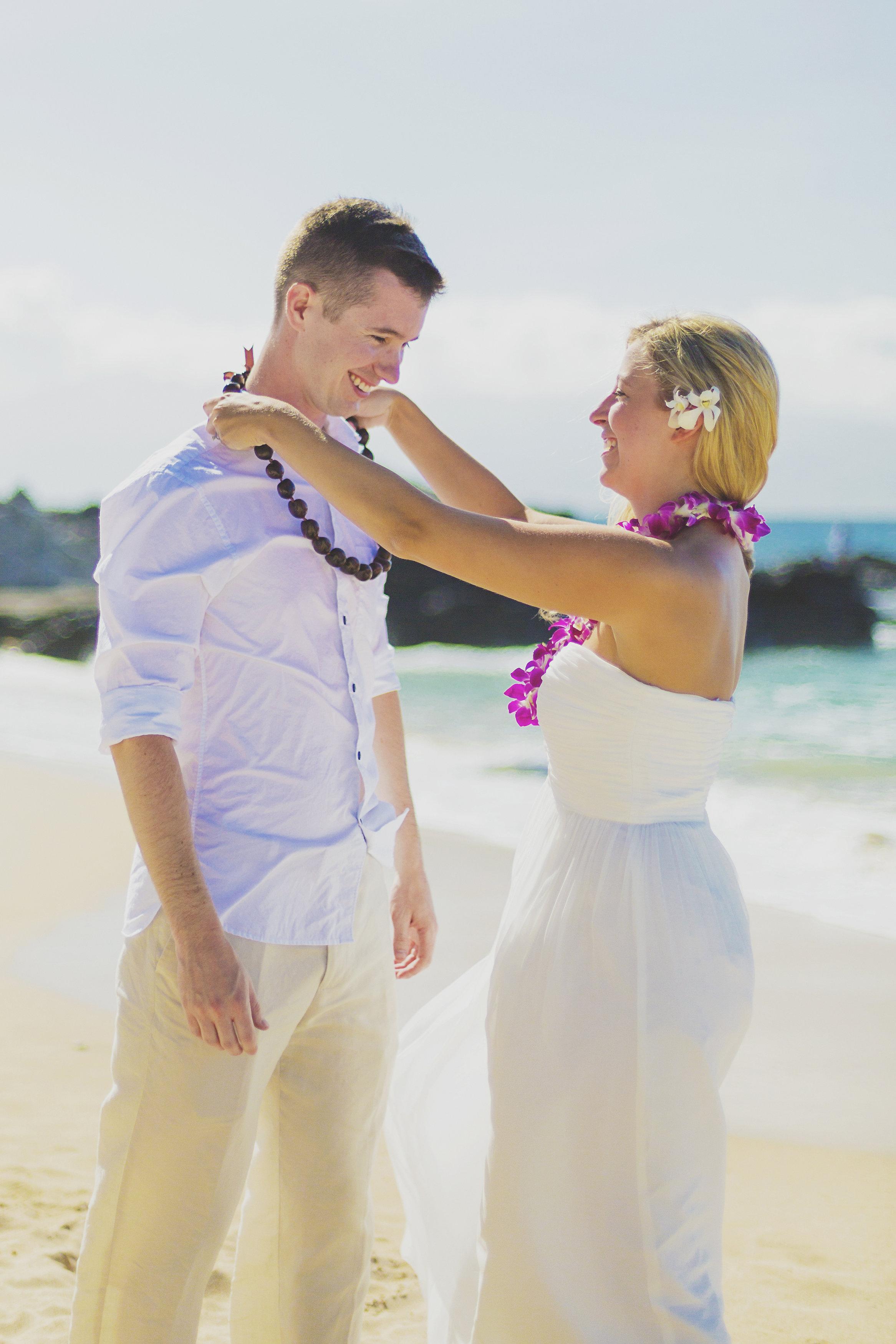 angie-diaz-photography-maui-honeymoon-hawaii-elopement-3.jpg