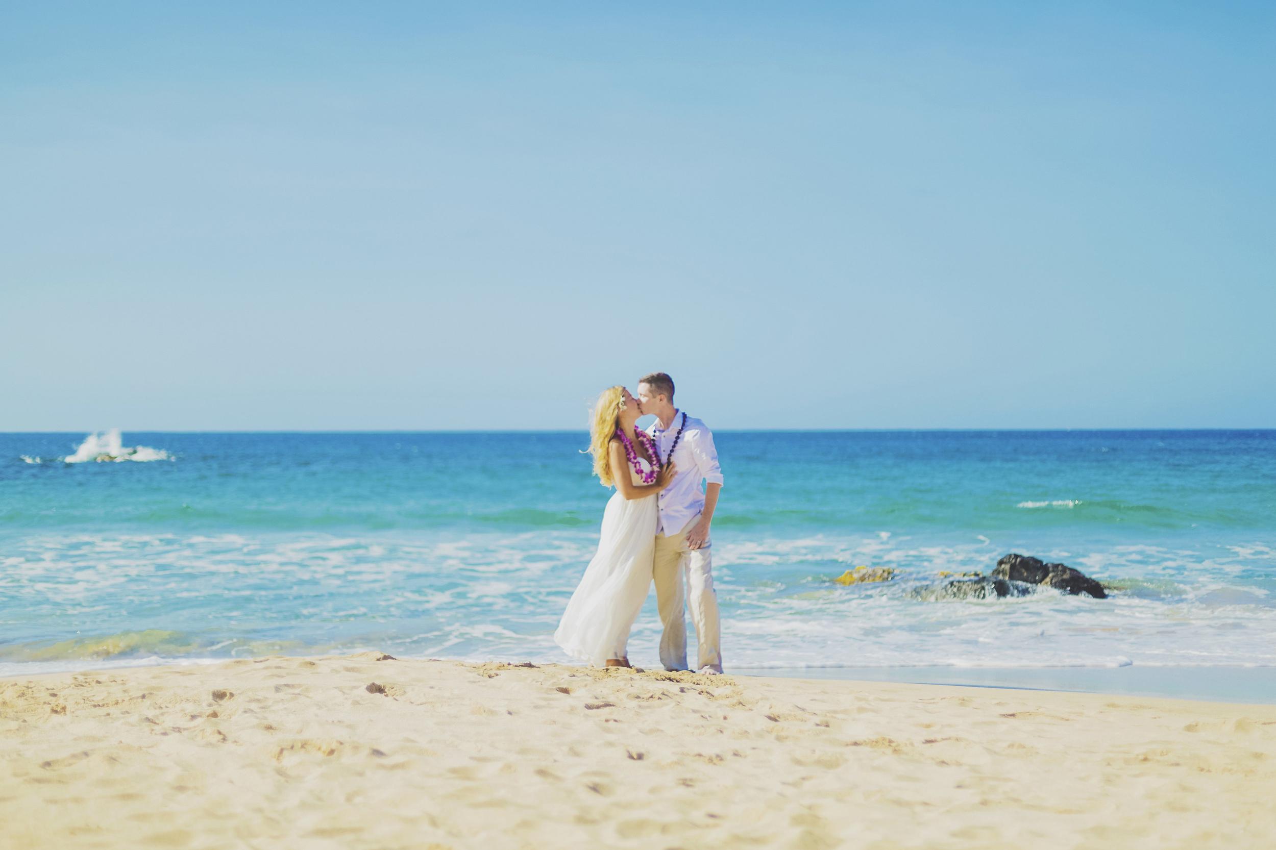 angie-diaz-photography-maui-honeymoon-hawaii-elopement-6.jpg