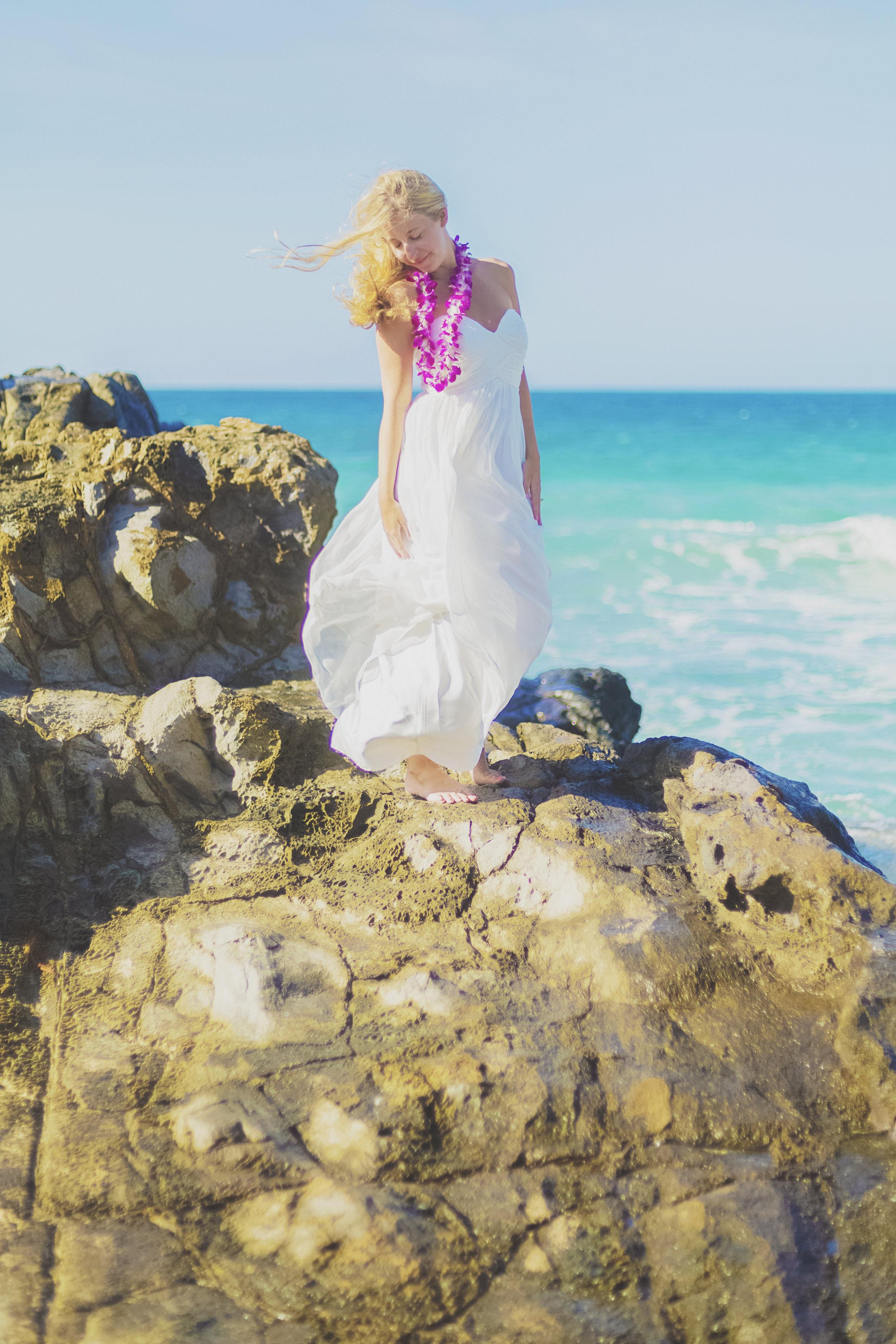 angie-diaz-photography-maui-honeymoon-hawaii-elopement-17.jpg