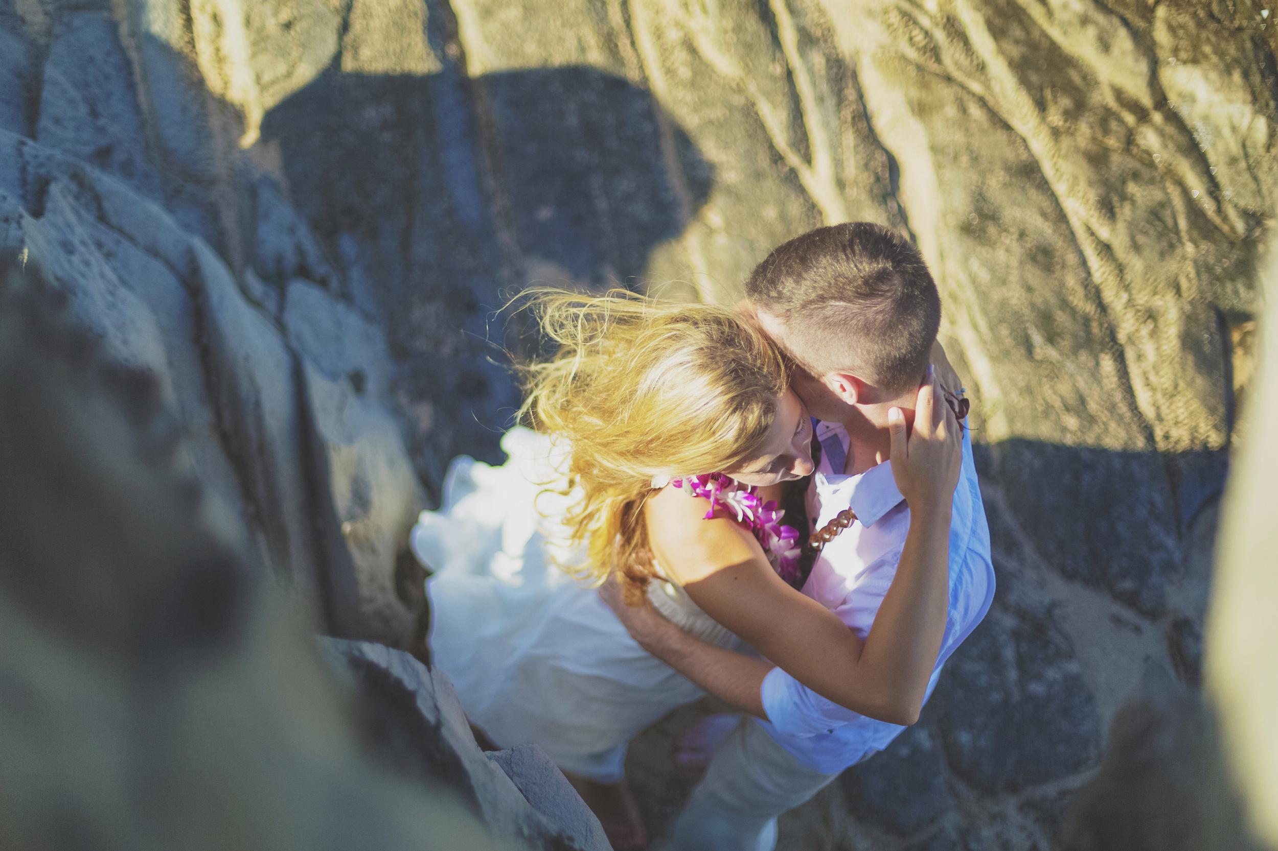 angie-diaz-photography-maui-honeymoon-hawaii-elopement-21.jpg