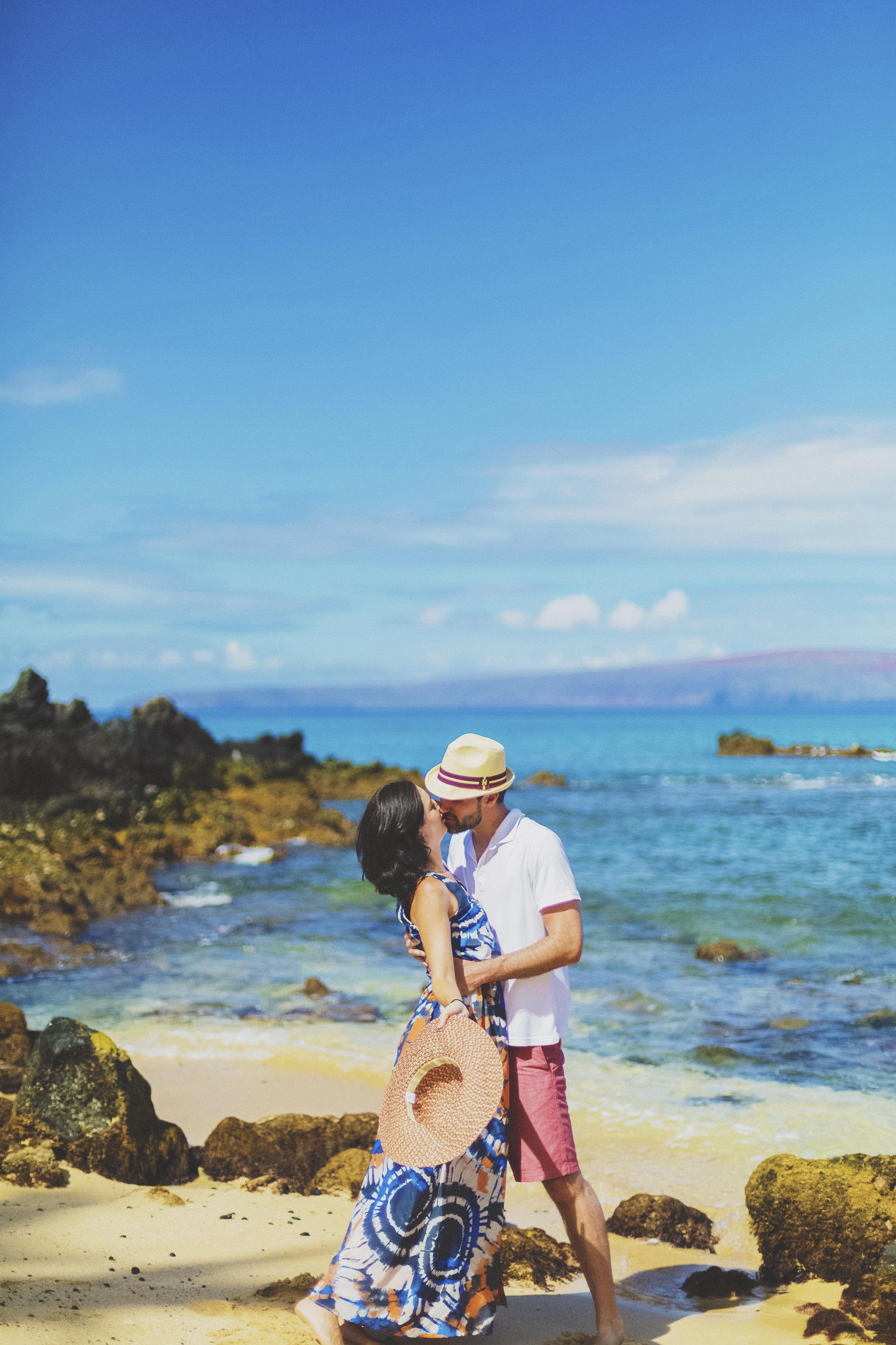 angie-diaz-photography-maui-beach-honeymoon-photographer-7.jpg
