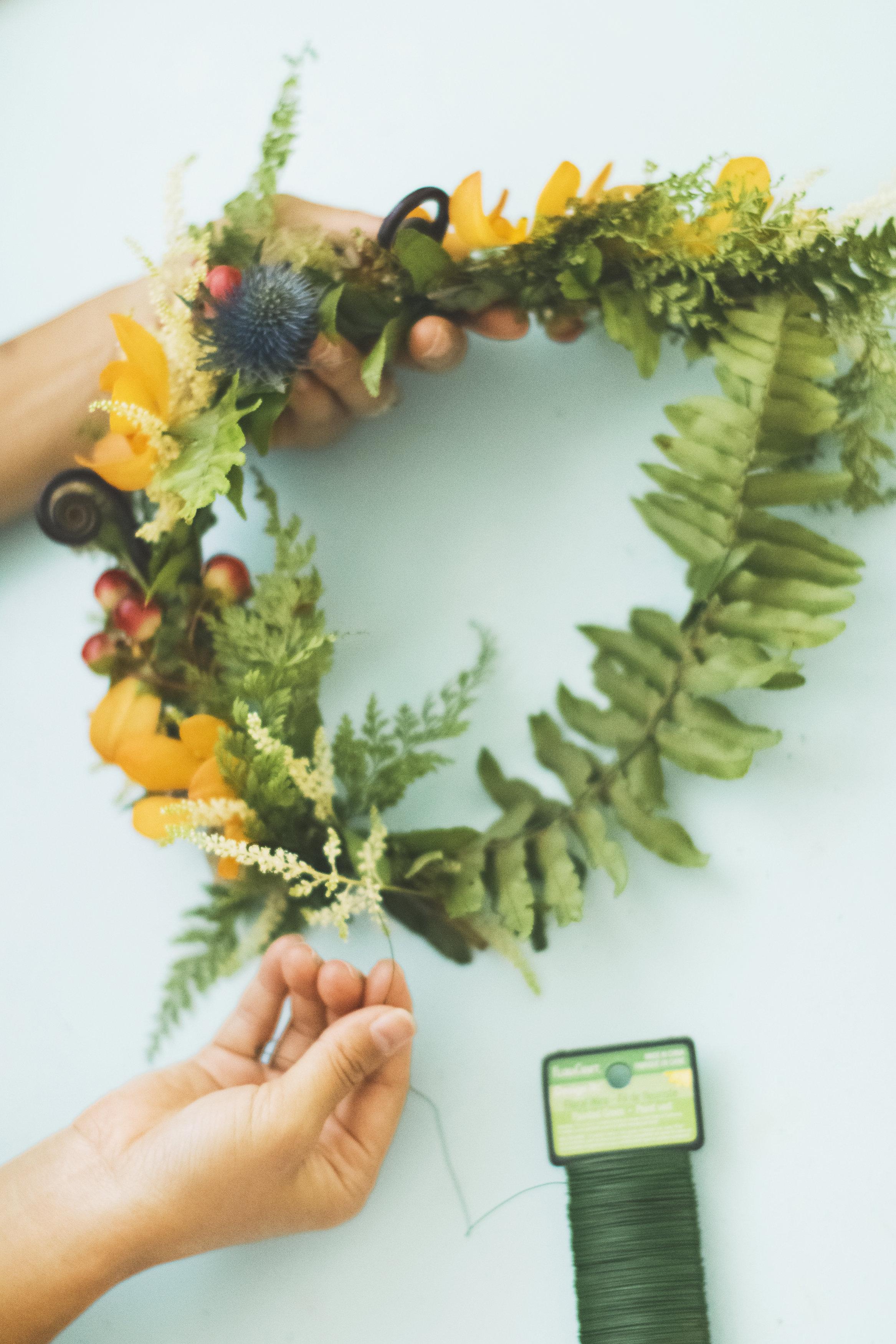 angie-diaz-photography-diy-flower-crown-tutorial-18.jpg