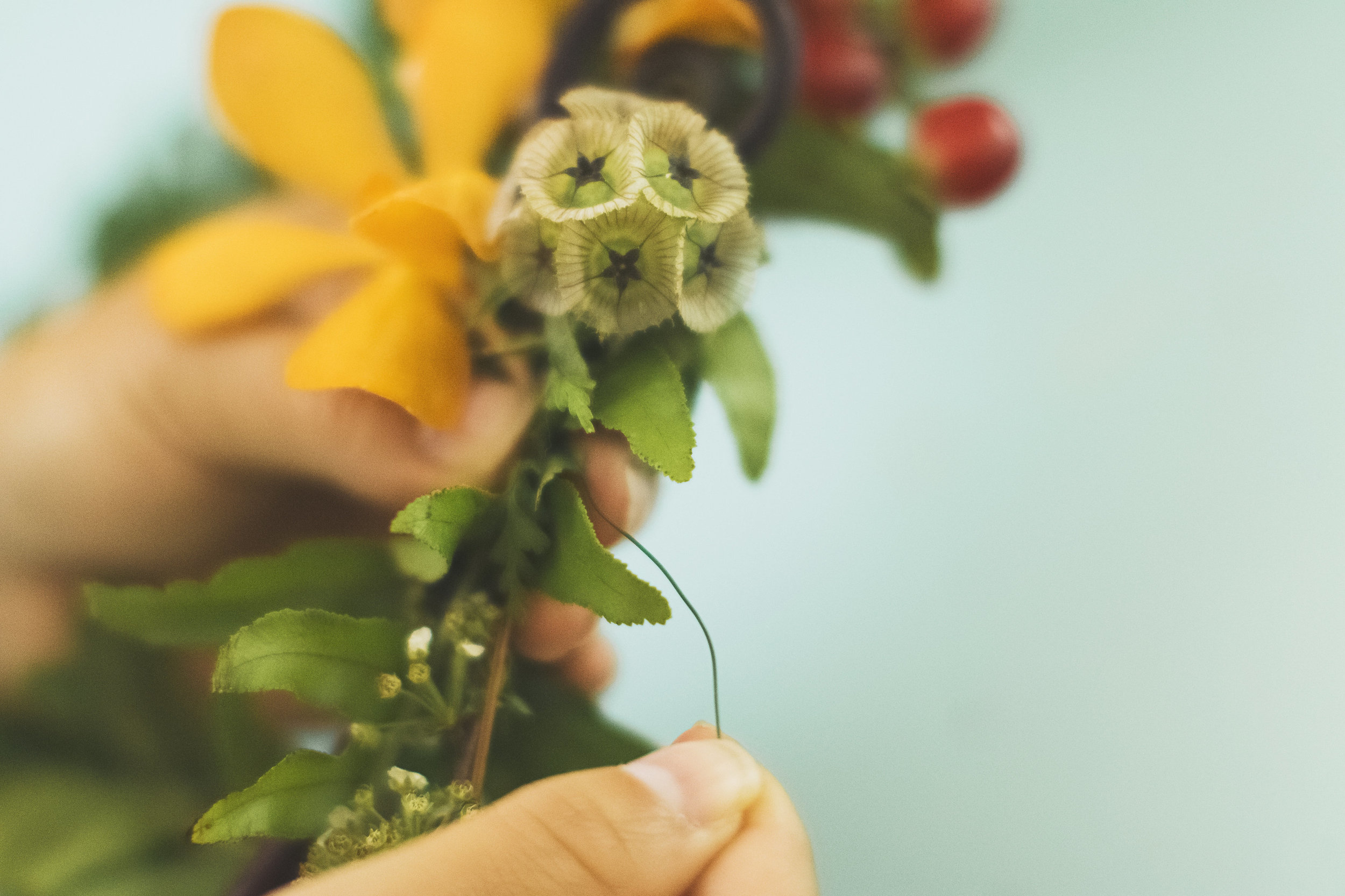 angie-diaz-photography-diy-flower-crown-tutorial-17.jpg