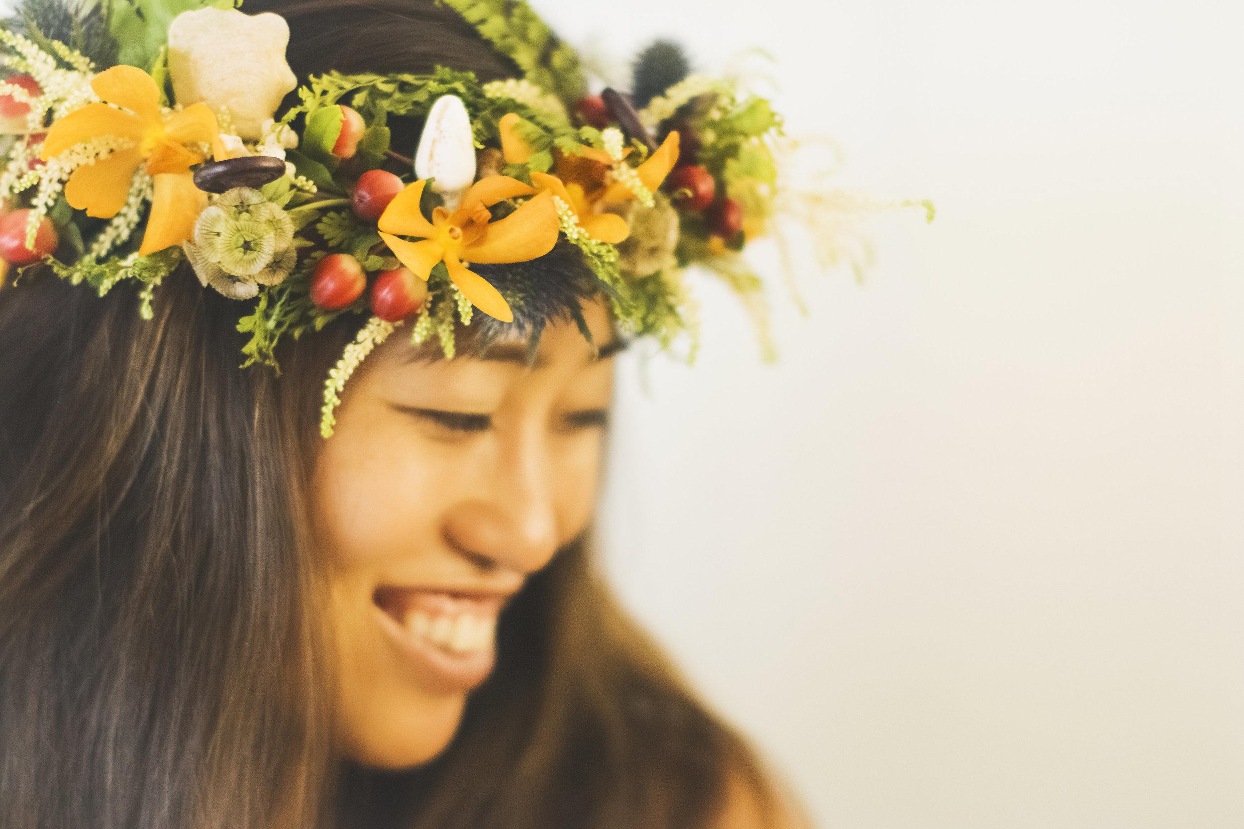 angie-diaz-photography-diy-flower-crown-tutorial-31.jpg
