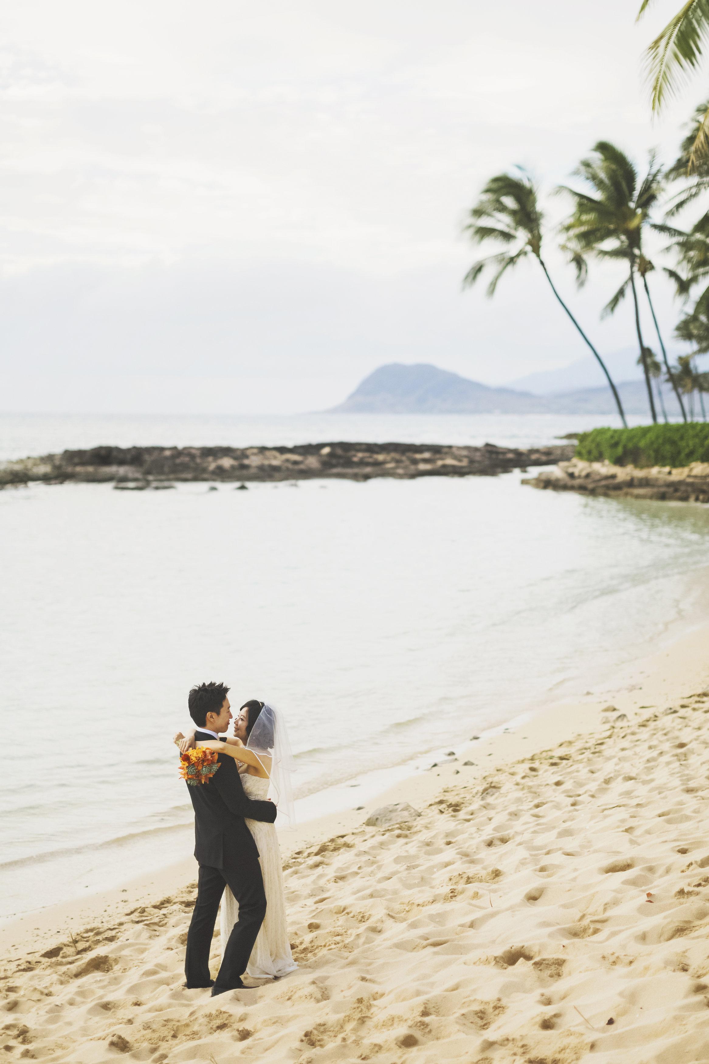 angie-diaz-photography-oahu-wedding-lanikuhonoa-shenshen-marshall-55.jpg