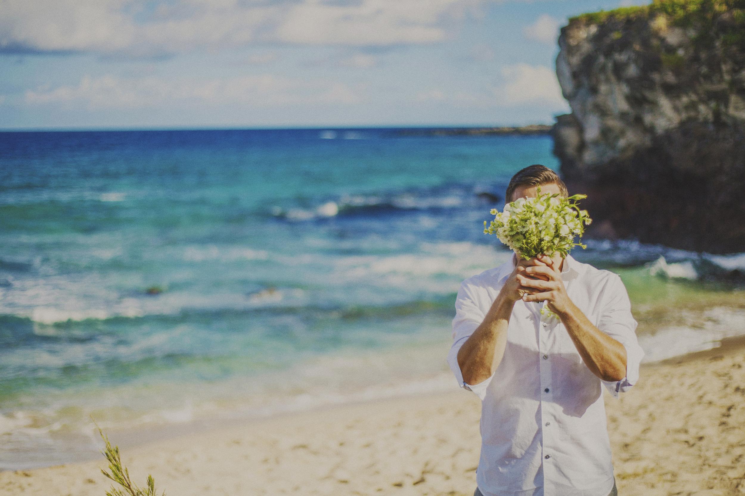 angie-diaz-photography-maui-elopement-oneloa-ironwoods-beach-18.jpg