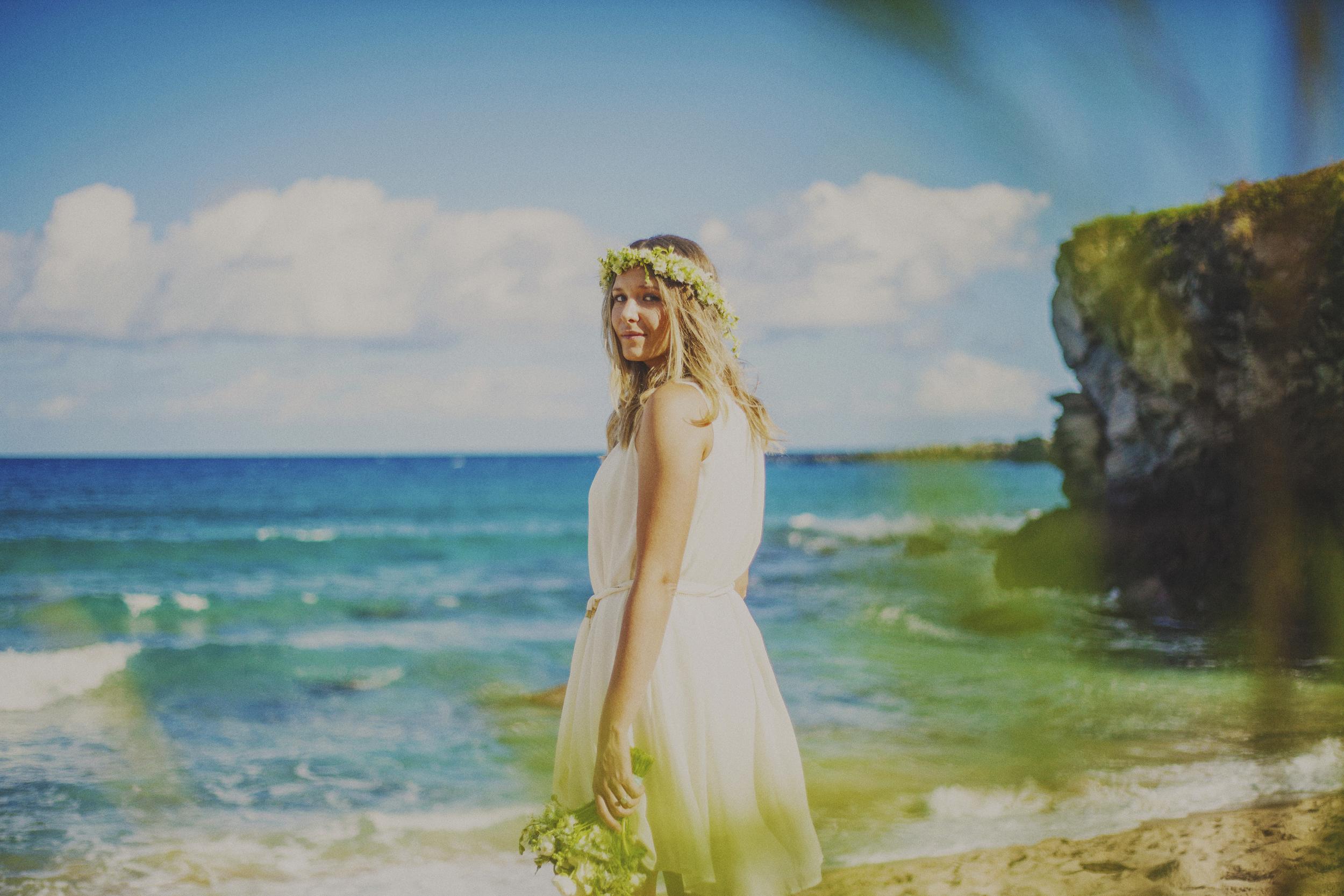 angie-diaz-photography-maui-elopement-oneloa-ironwoods-beach-24.jpg