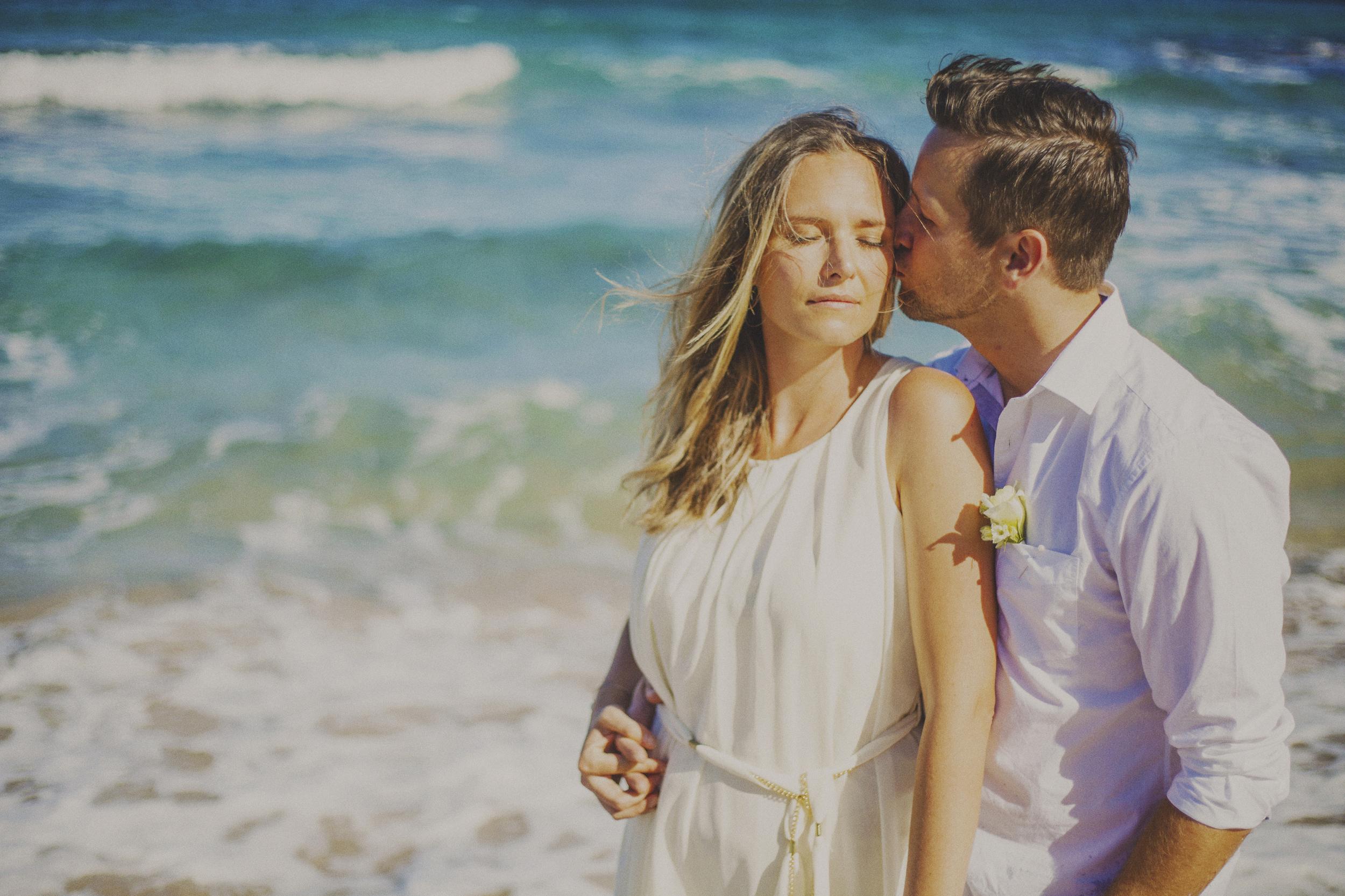 angie-diaz-photography-maui-elopement-oneloa-ironwoods-beach-25.jpg