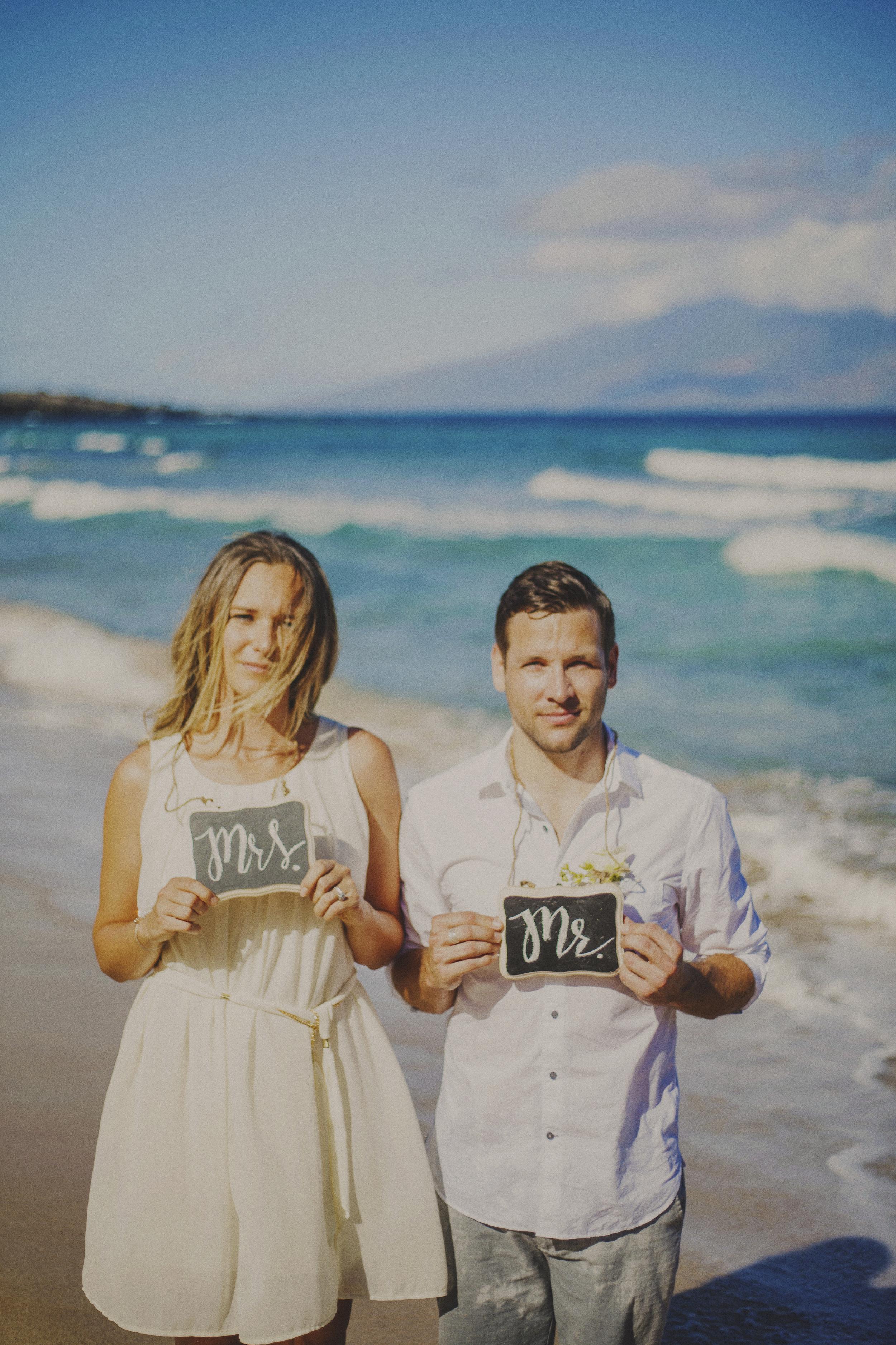 angie-diaz-photography-maui-elopement-oneloa-ironwoods-beach-28.jpg