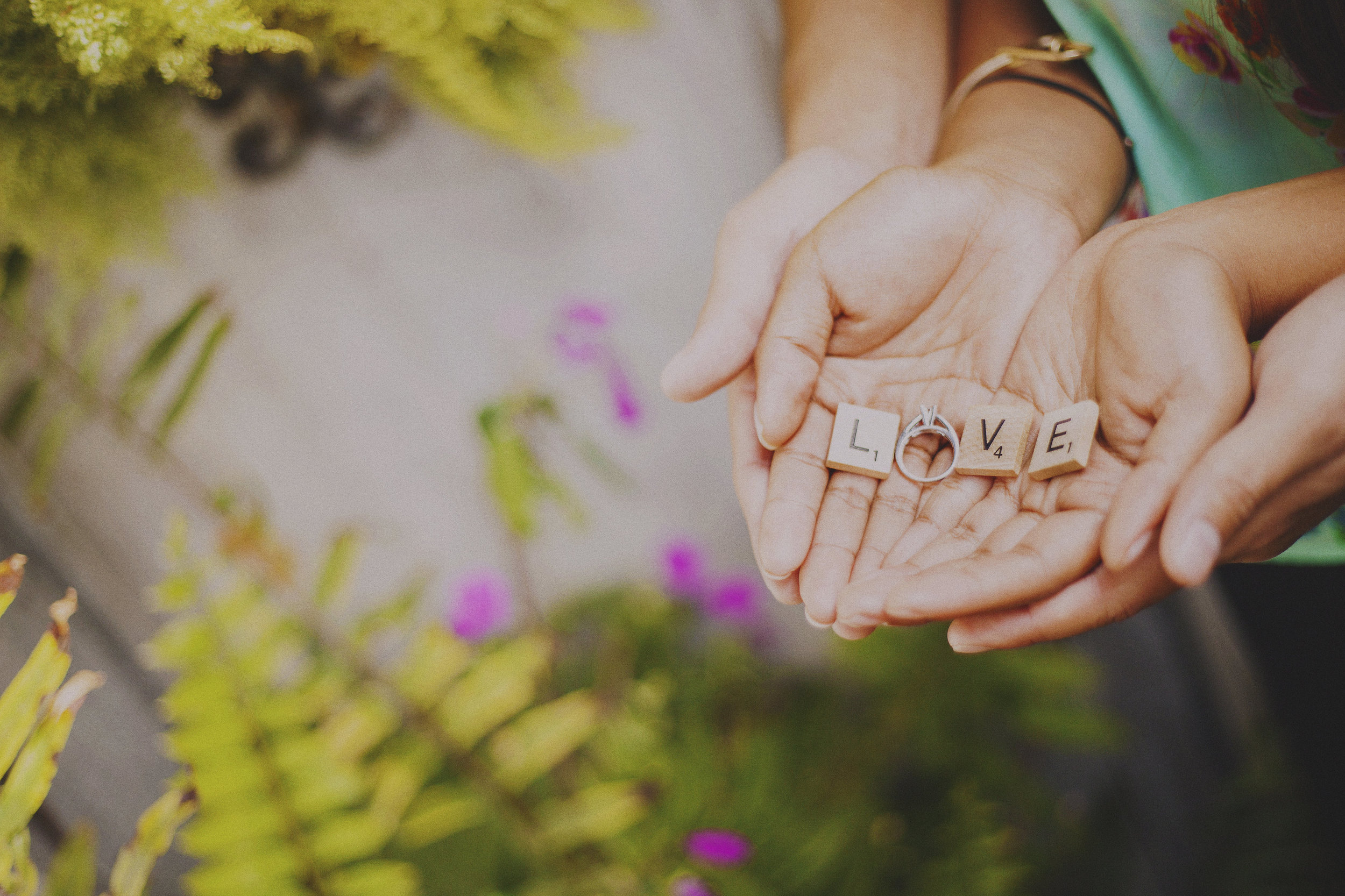 angie-diaz-photography-maui-upcountry-engagement-09.jpg