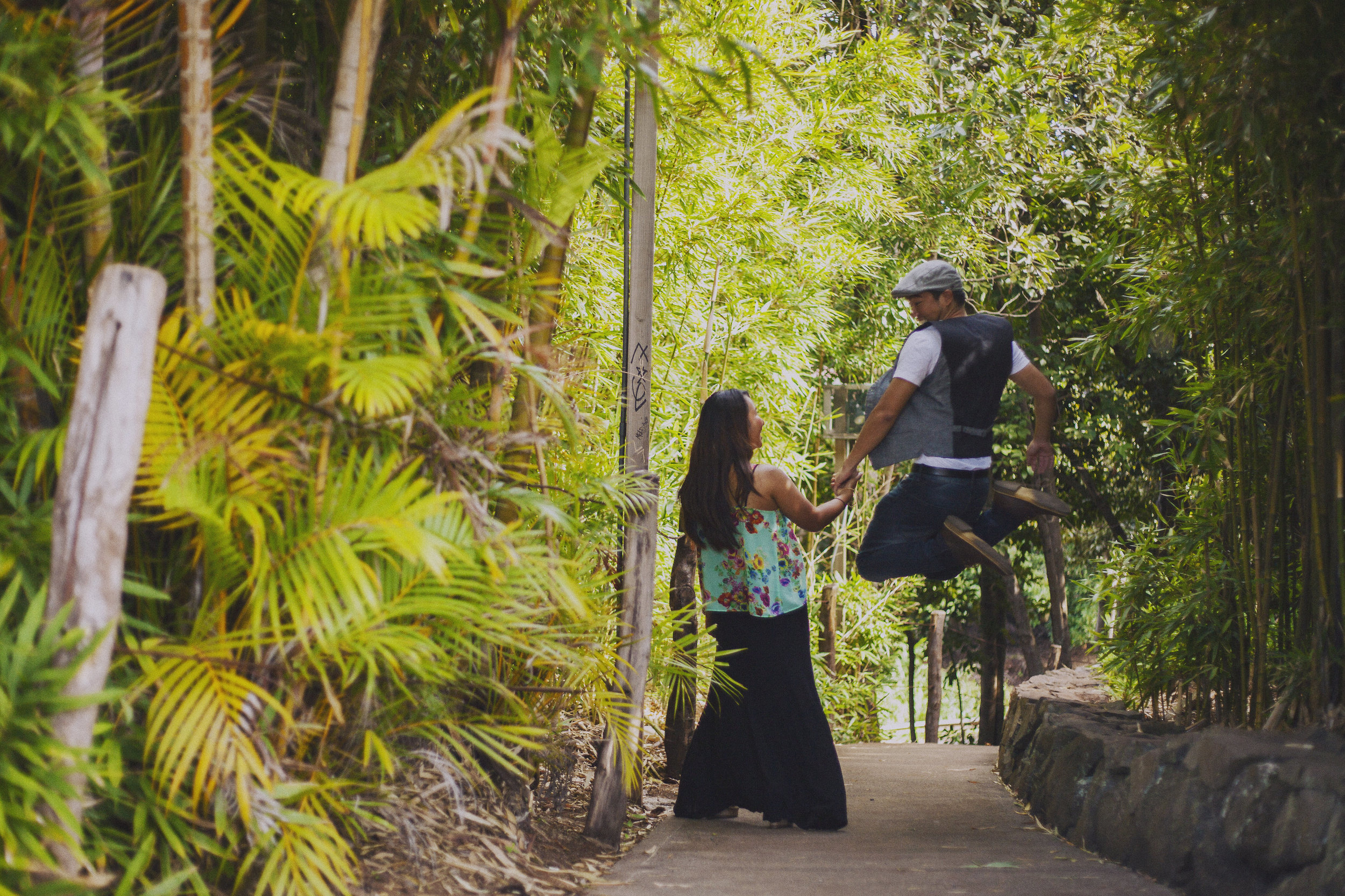 angie-diaz-photography-maui-upcountry-engagement-18.jpg