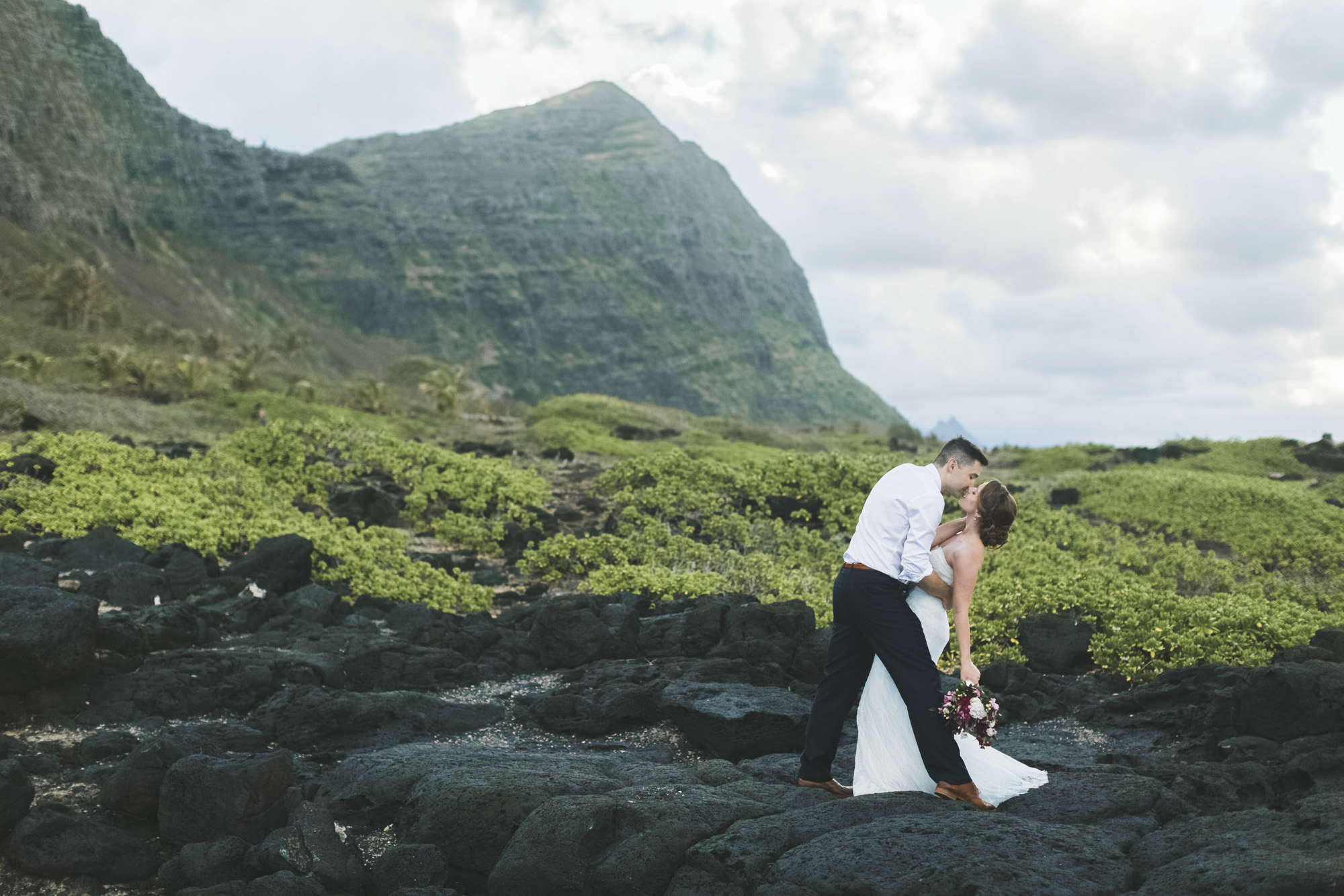 Hawaii destination beach Wedding Photographer_81.jpg