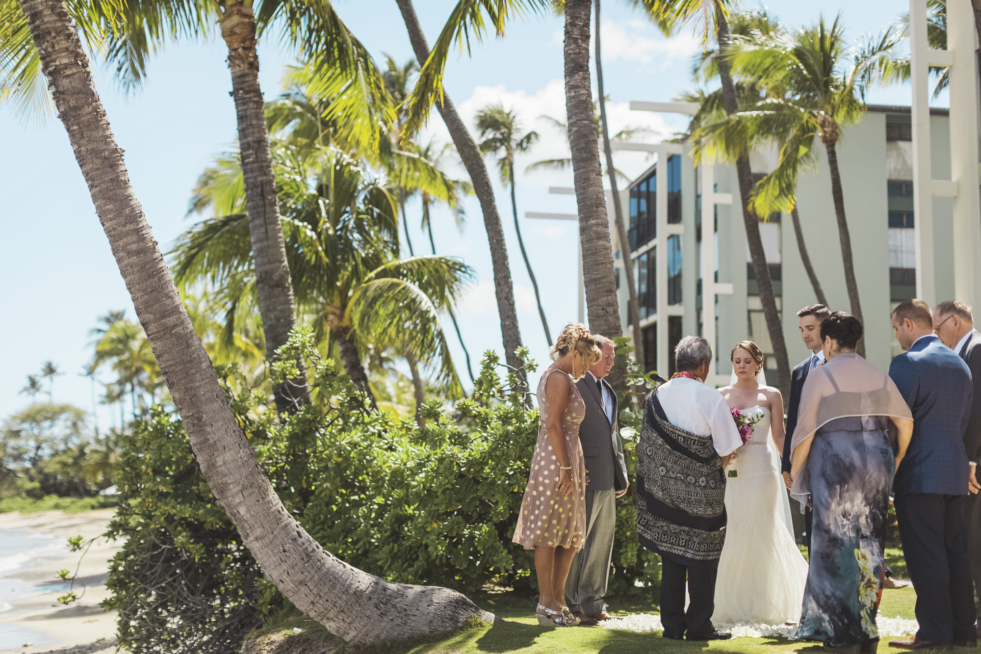 Hawaii destination beach Wedding Photographer_133.jpg