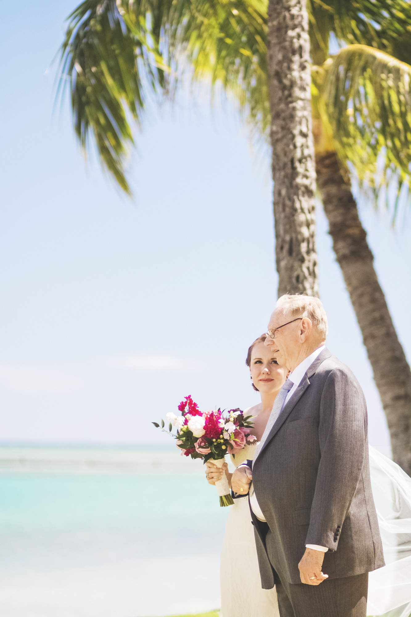 Hawaii destination beach Wedding Photographer_12.jpg