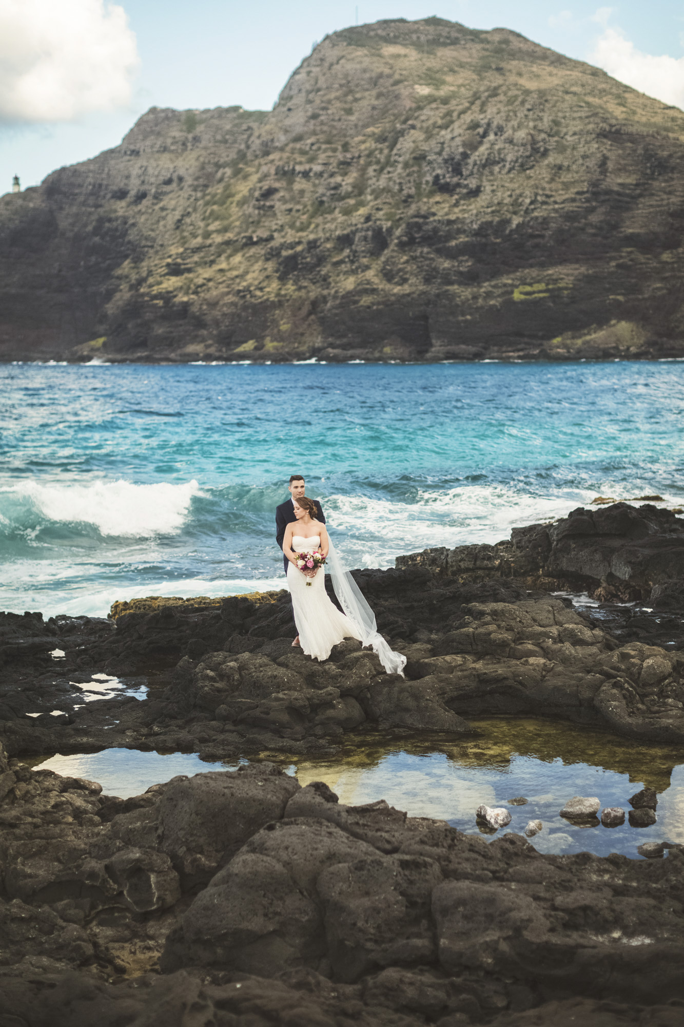 Hawaii destination beach Wedding Photographer_2.jpg