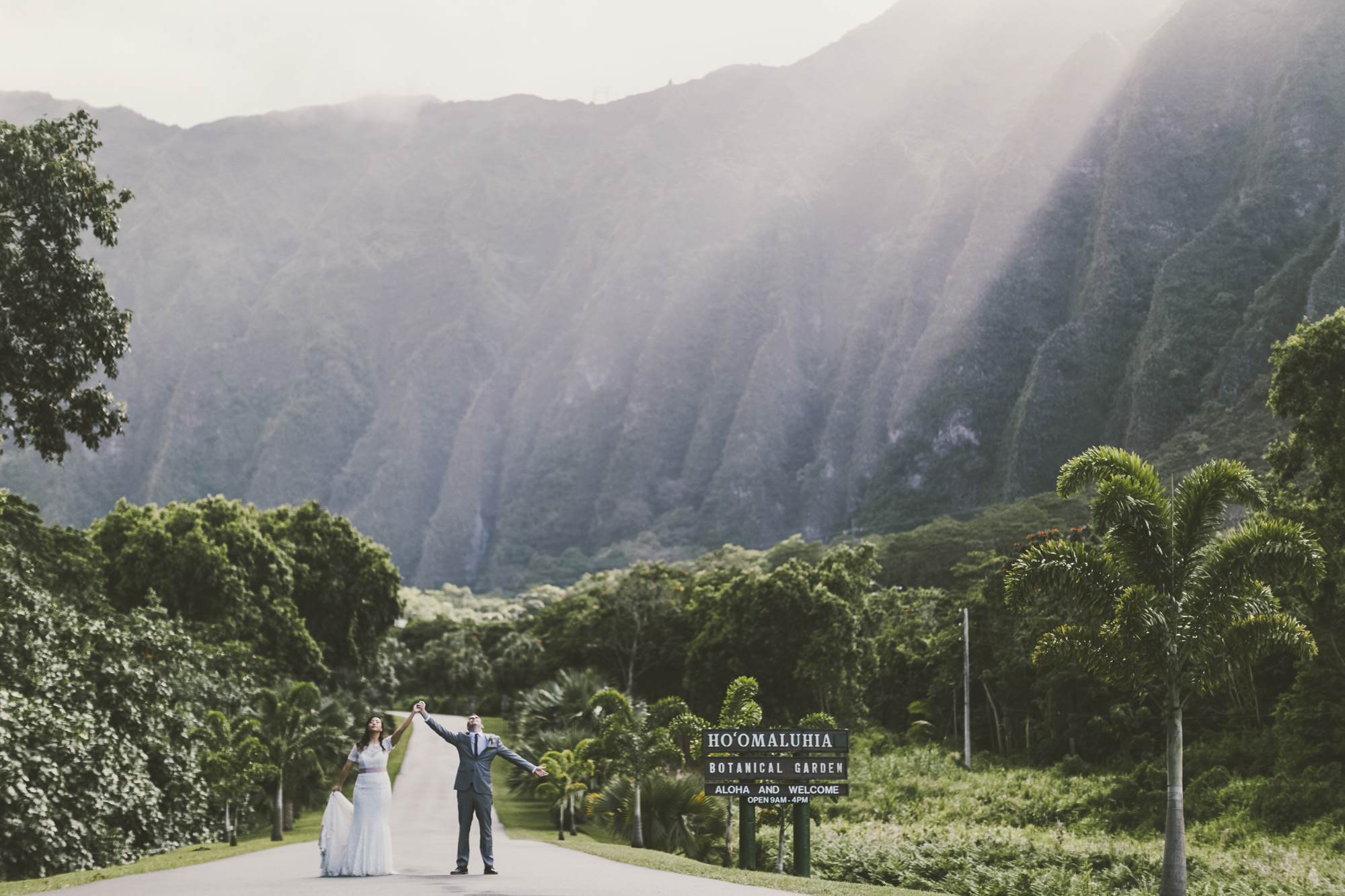 Hawaii destination beach Wedding Photographer_174.jpg