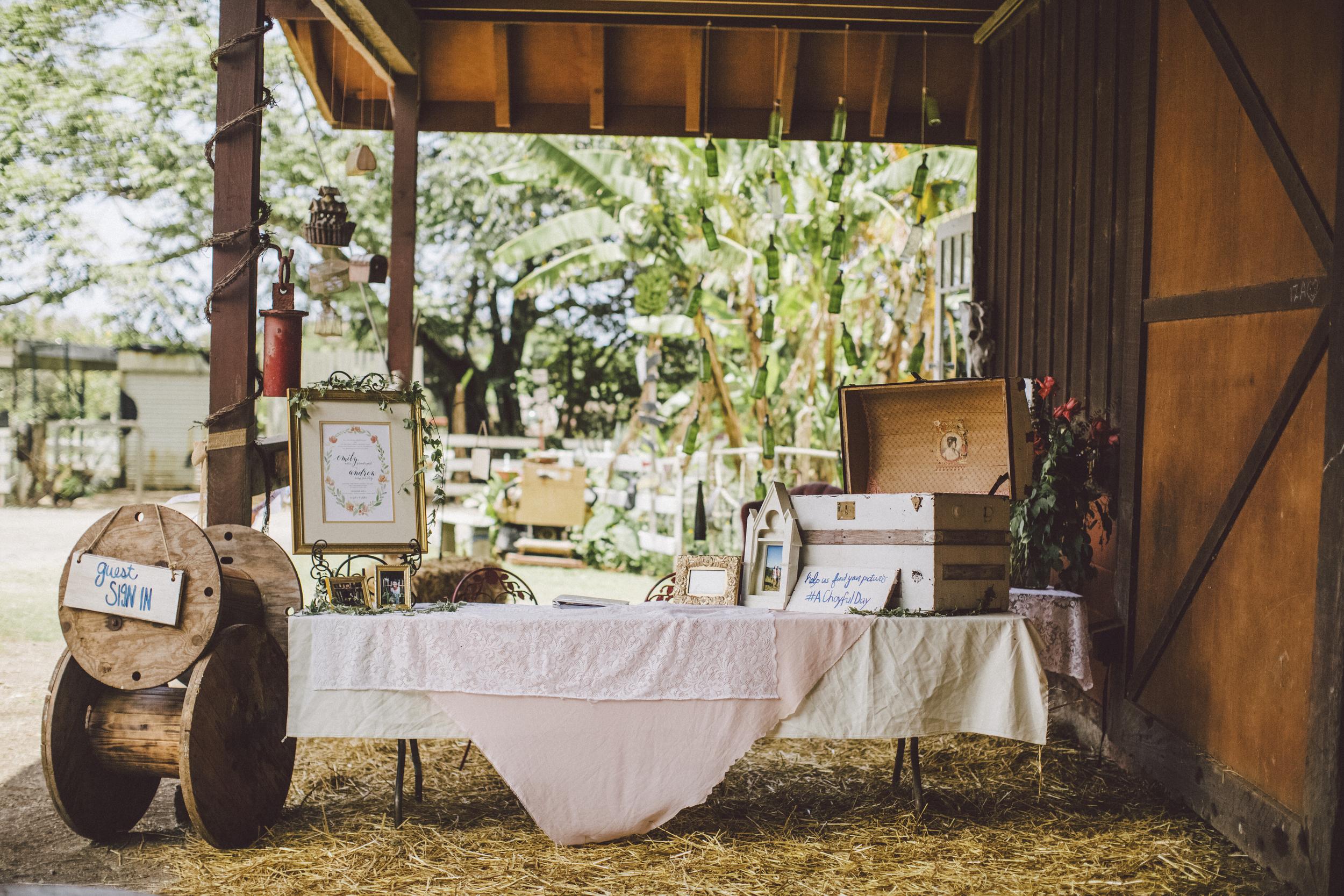 angie-diaz-photography-oahu-hawaii-wedding-tradewinds-ranch-44.jpg