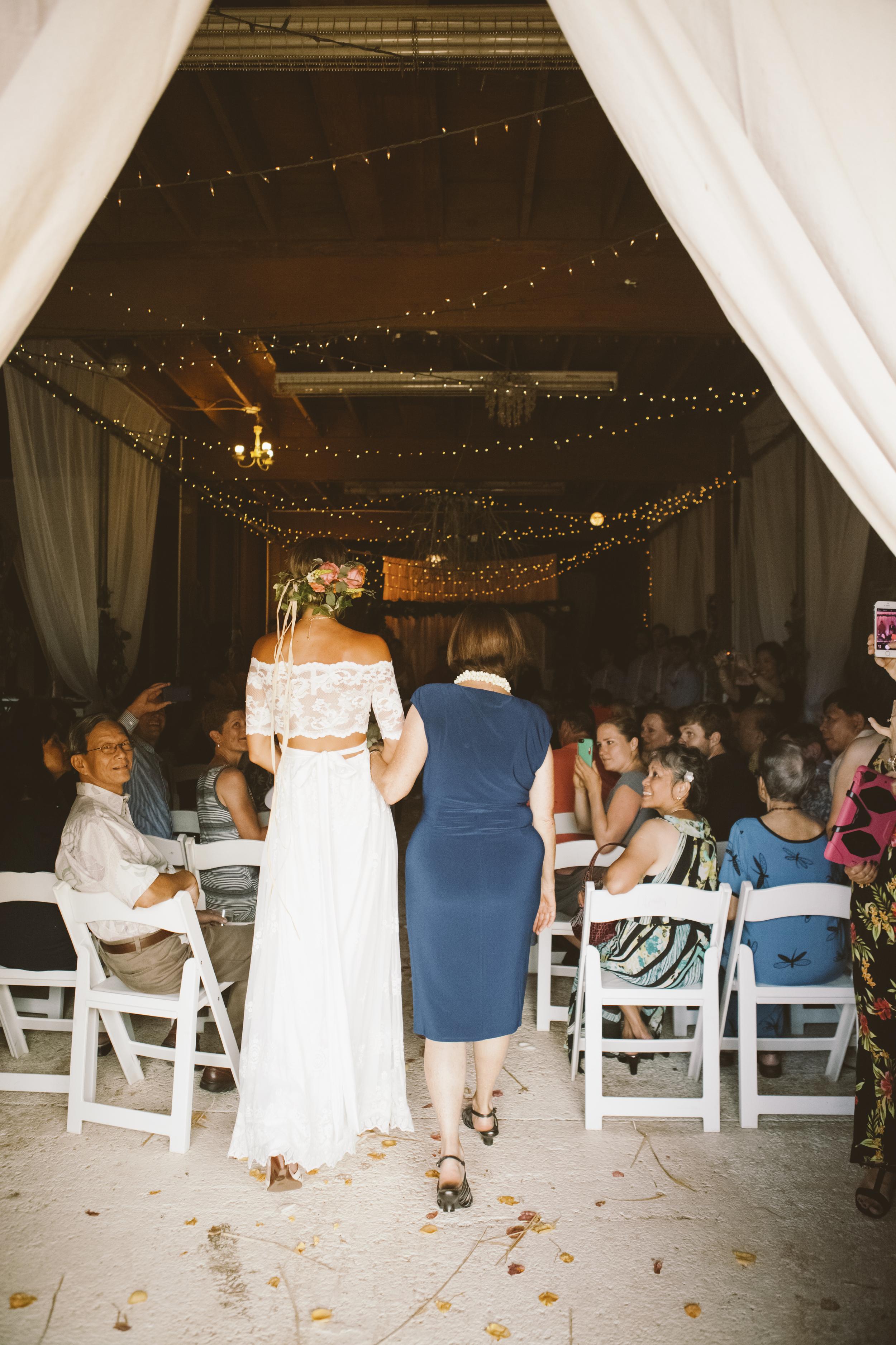 angie-diaz-photography-oahu-hawaii-wedding-tradewinds-ranch-52.jpg
