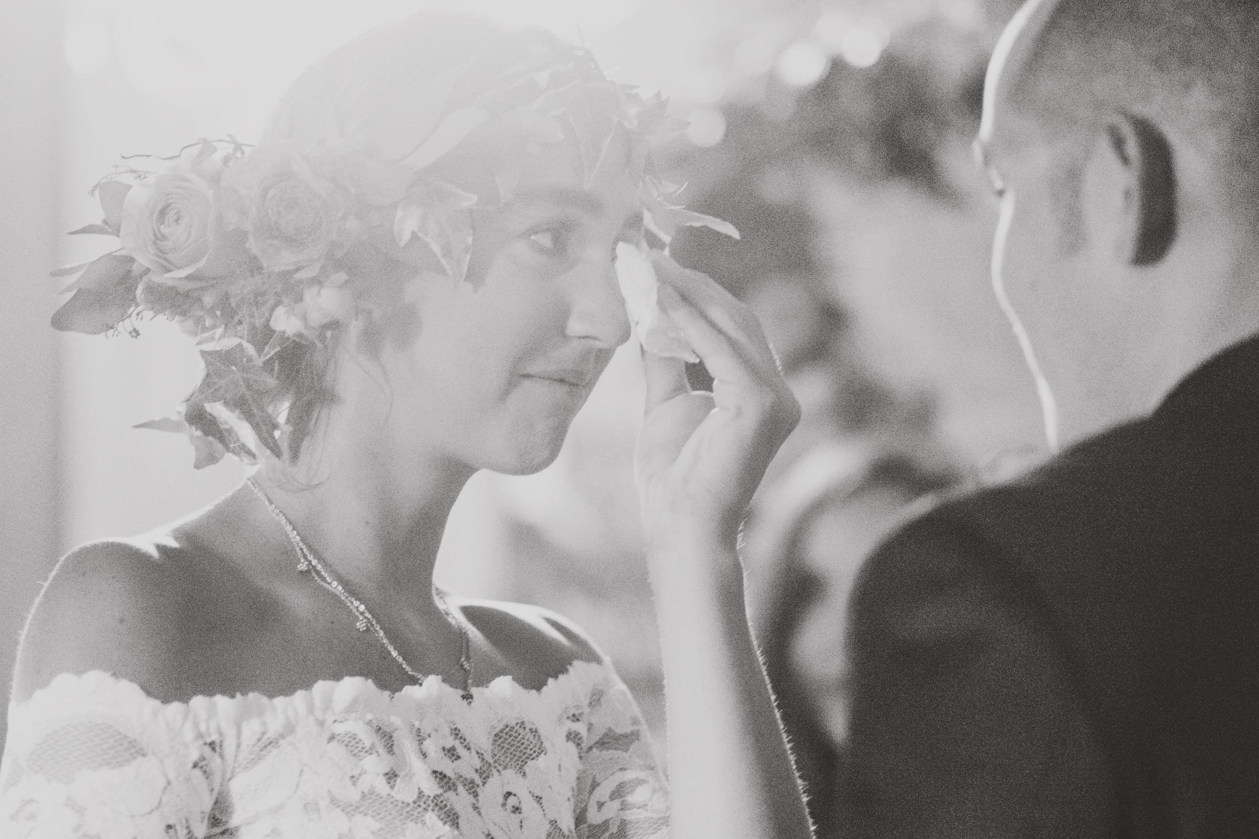 angie-diaz-photography-oahu-hawaii-wedding-tradewinds-ranch-61.jpg