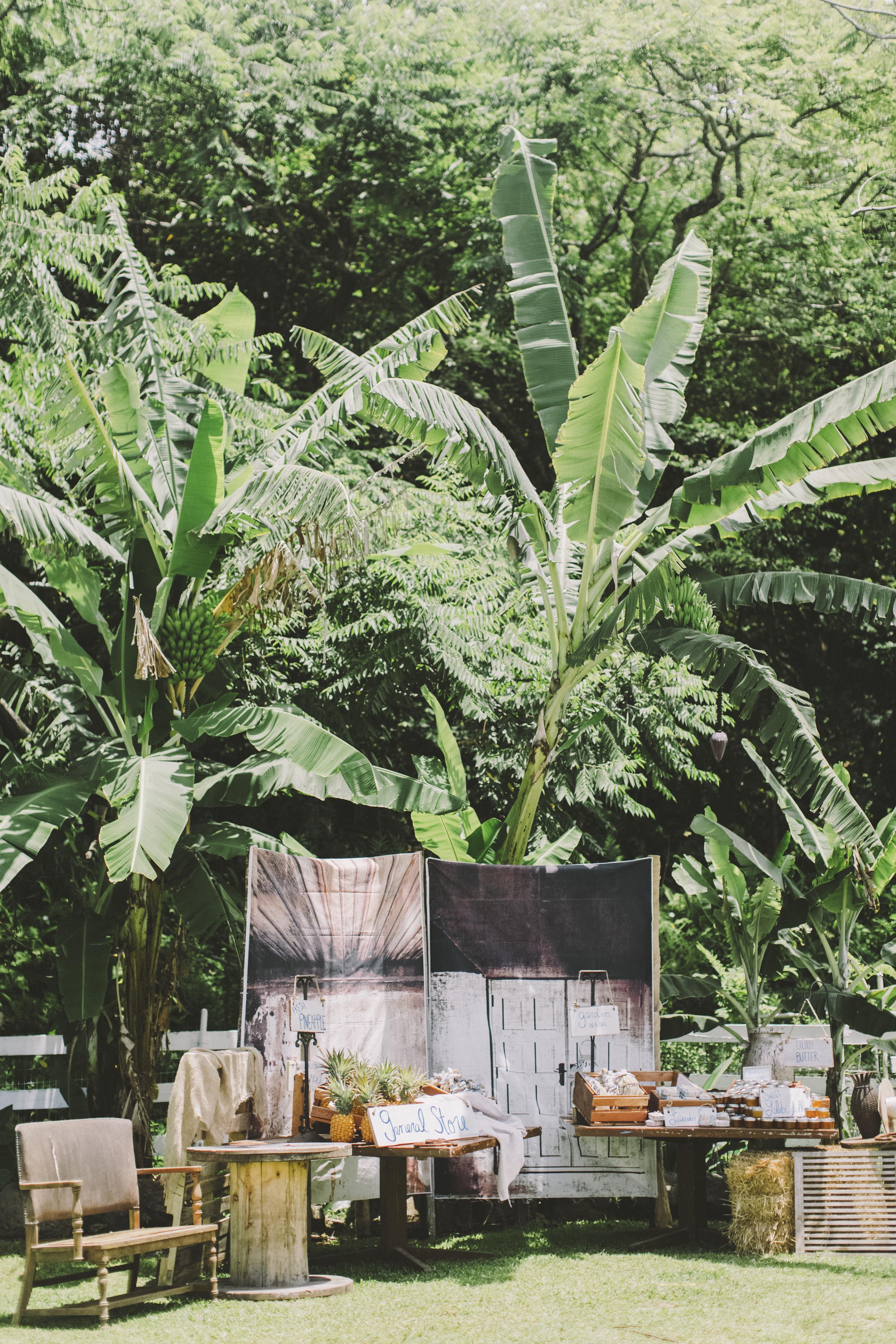angie-diaz-photography-oahu-hawaii-wedding-tradewinds-ranch-92.jpg