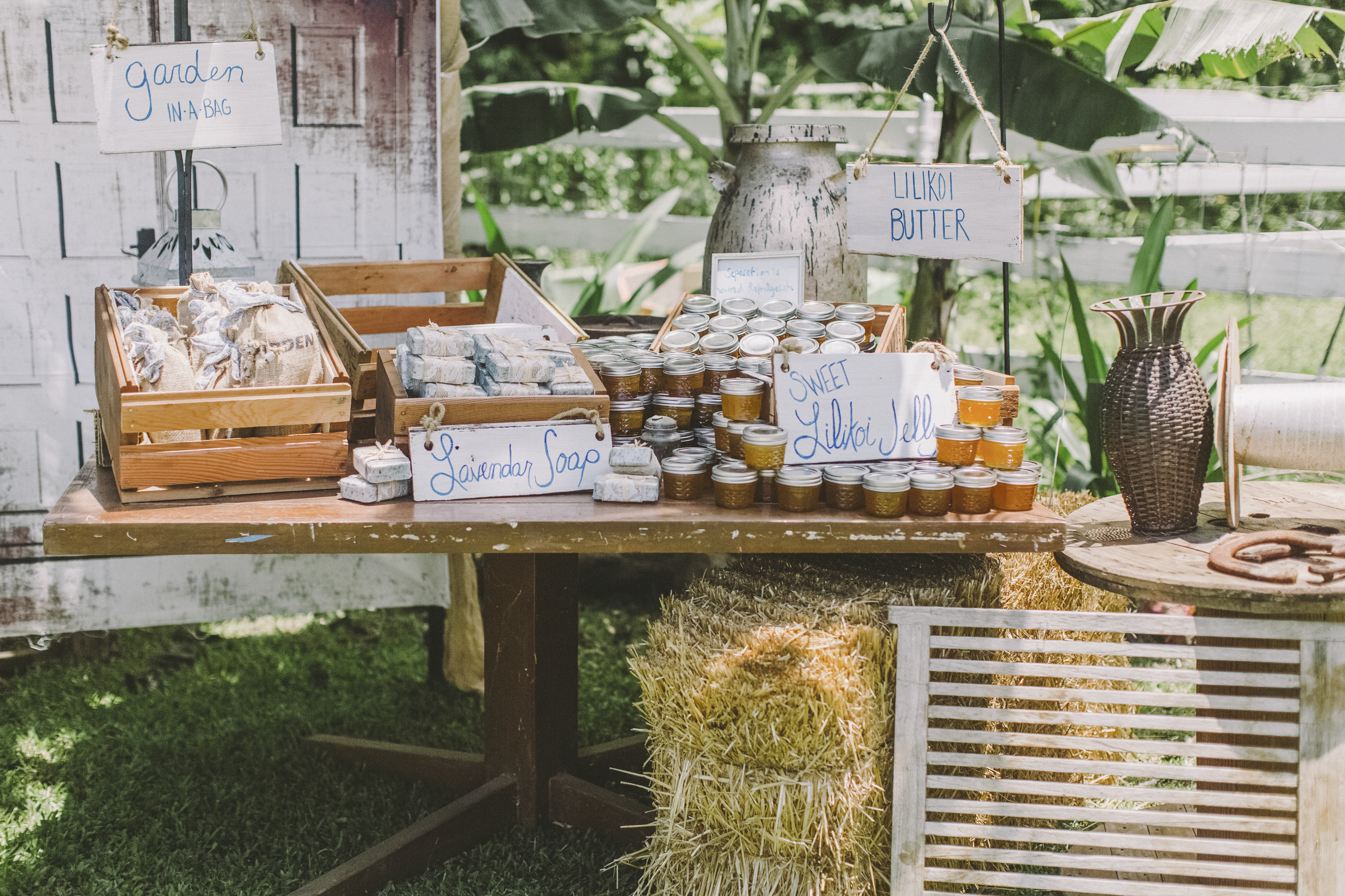 angie-diaz-photography-oahu-hawaii-wedding-tradewinds-ranch-94.jpg