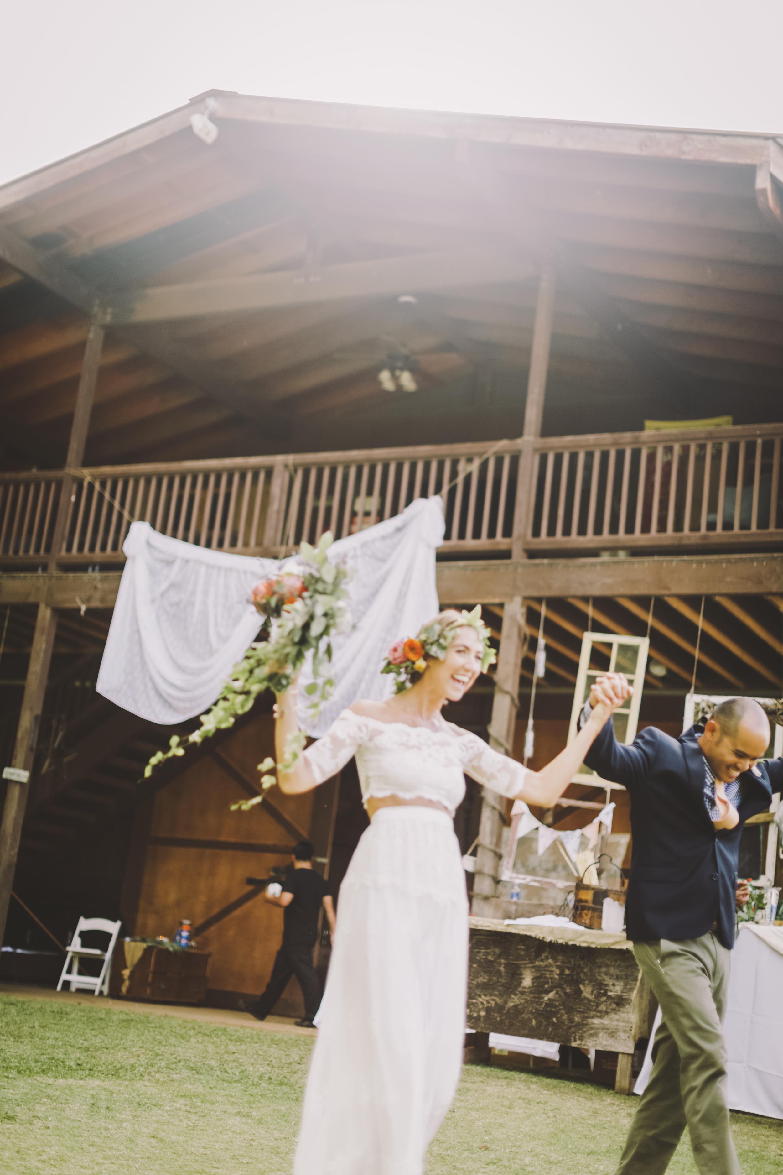 angie-diaz-photography-oahu-hawaii-wedding-tradewinds-ranch-100.jpg