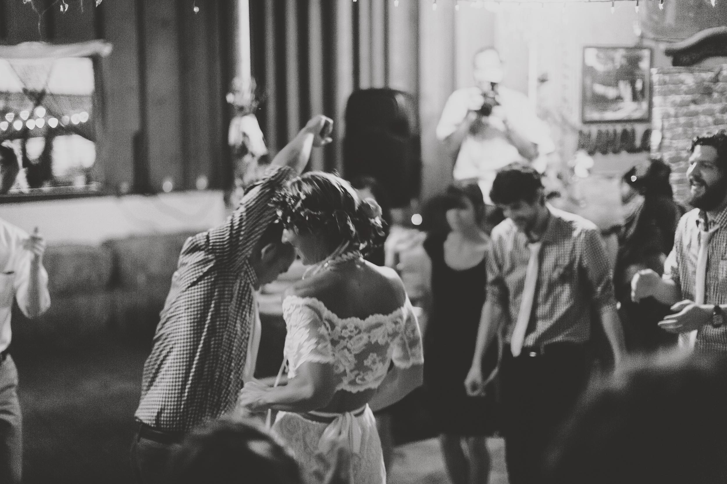 angie-diaz-photography-oahu-hawaii-wedding-tradewinds-ranch-118.jpg