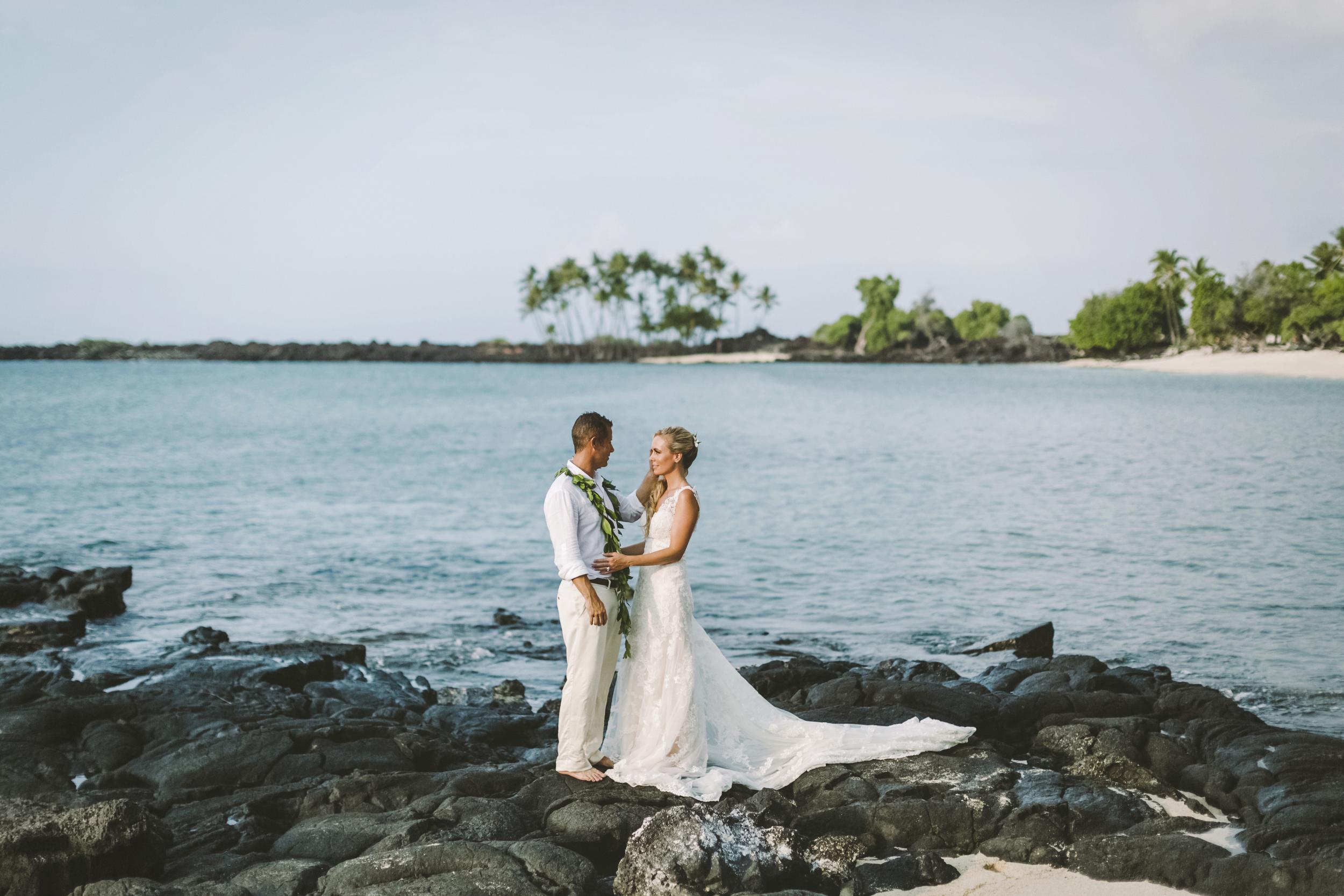 angie-diaz-photography-hawaii-wedding-photographer-kelli-jay-1.jpg