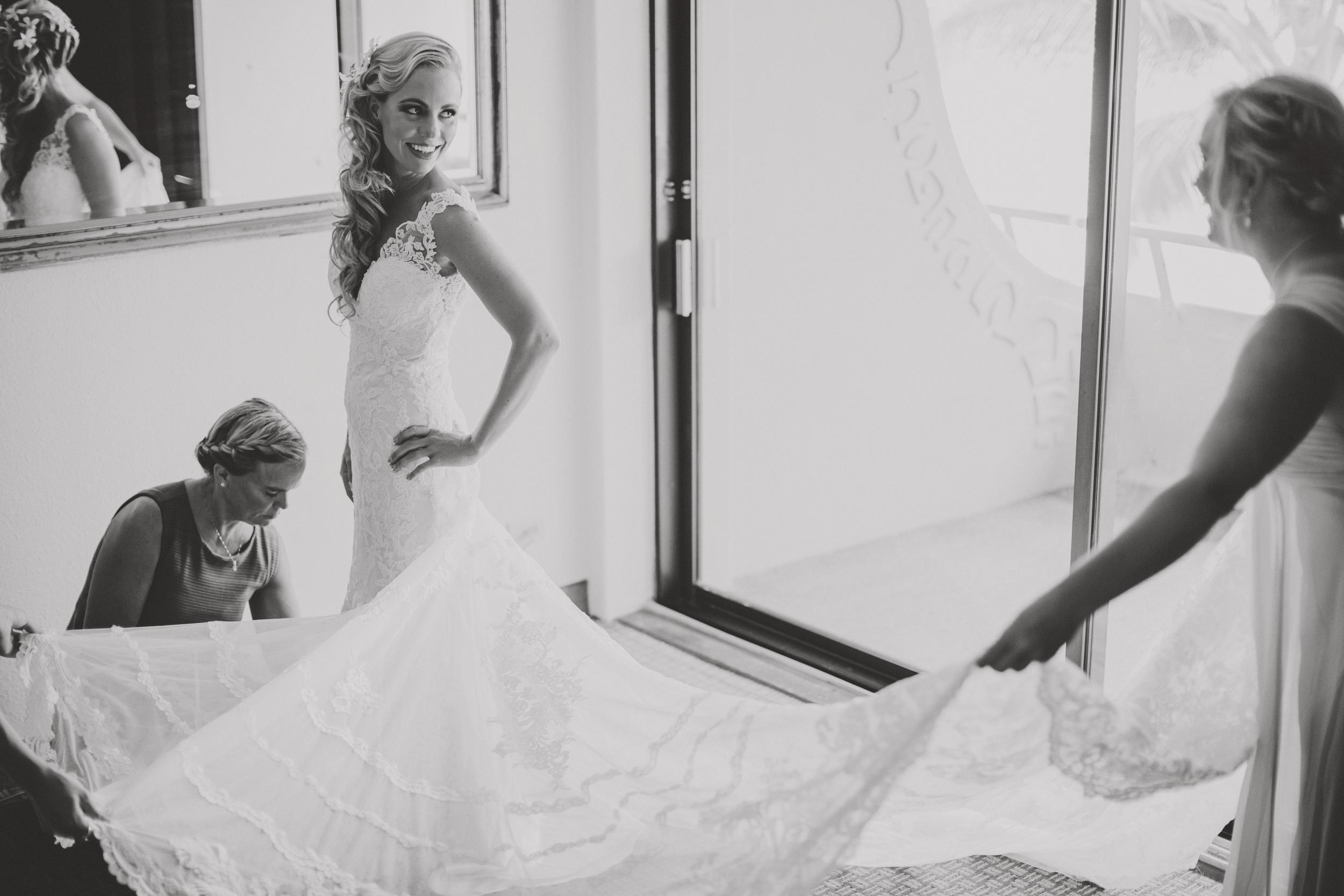 angie-diaz-photography-hawaii-wedding-photographer-kelli-jay-19.jpg