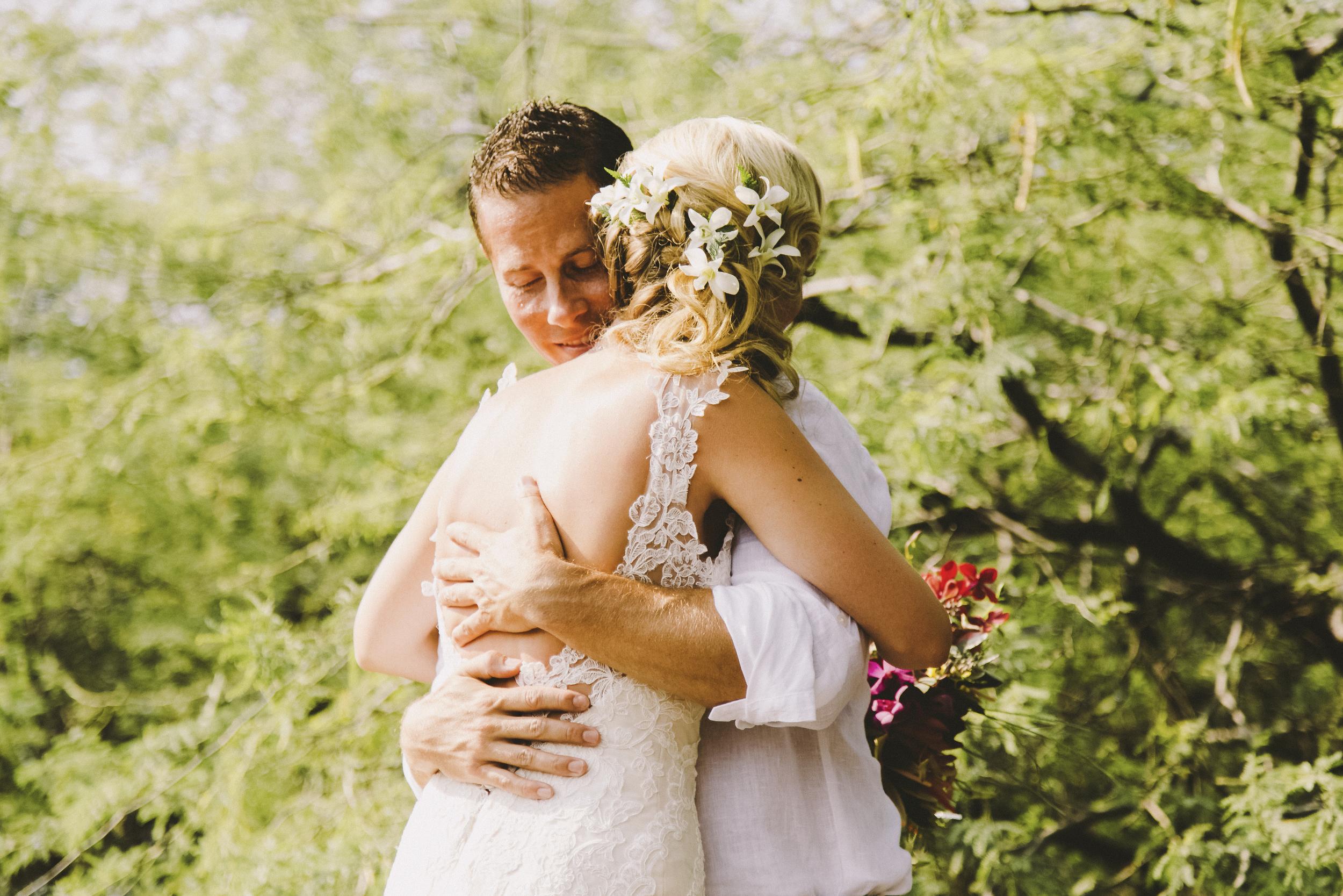 angie-diaz-photography-hawaii-wedding-photographer-kelli-jay-31.jpg
