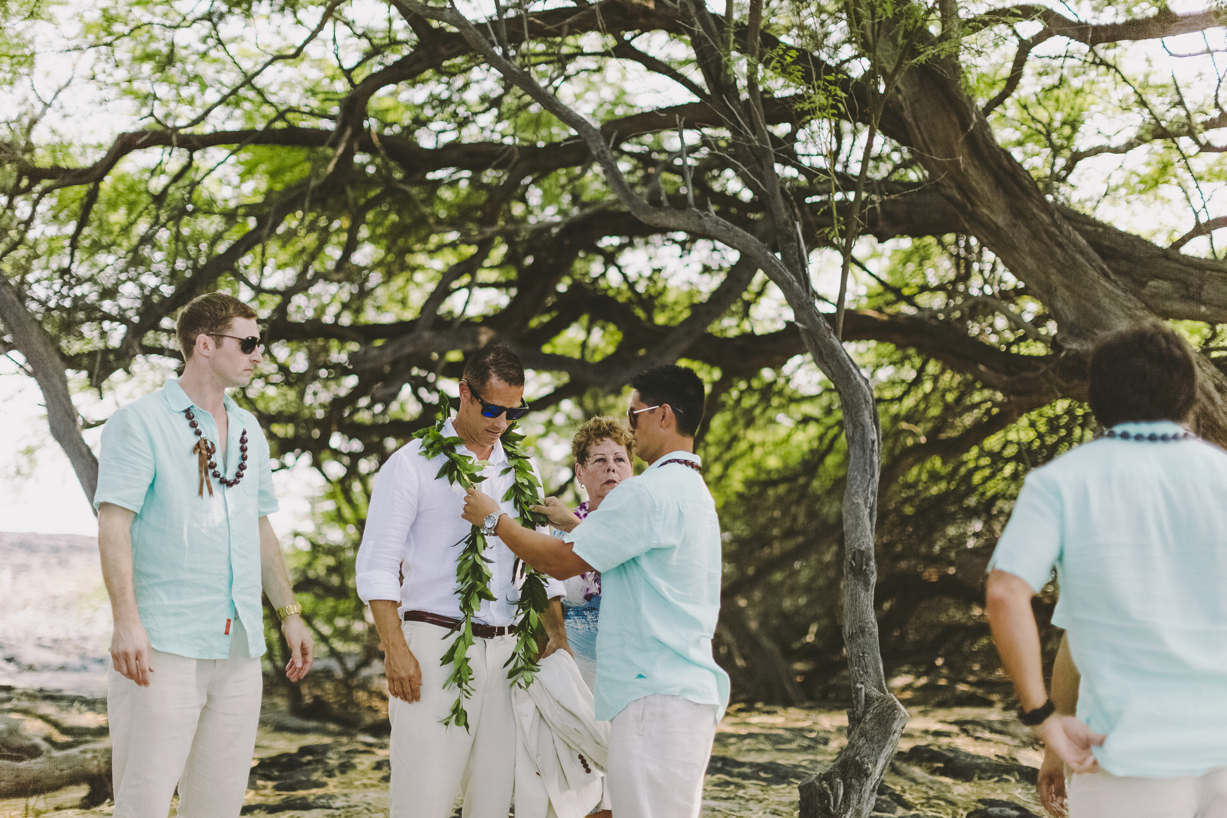 angie-diaz-photography-hawaii-wedding-photographer-kelli-jay-42.jpg