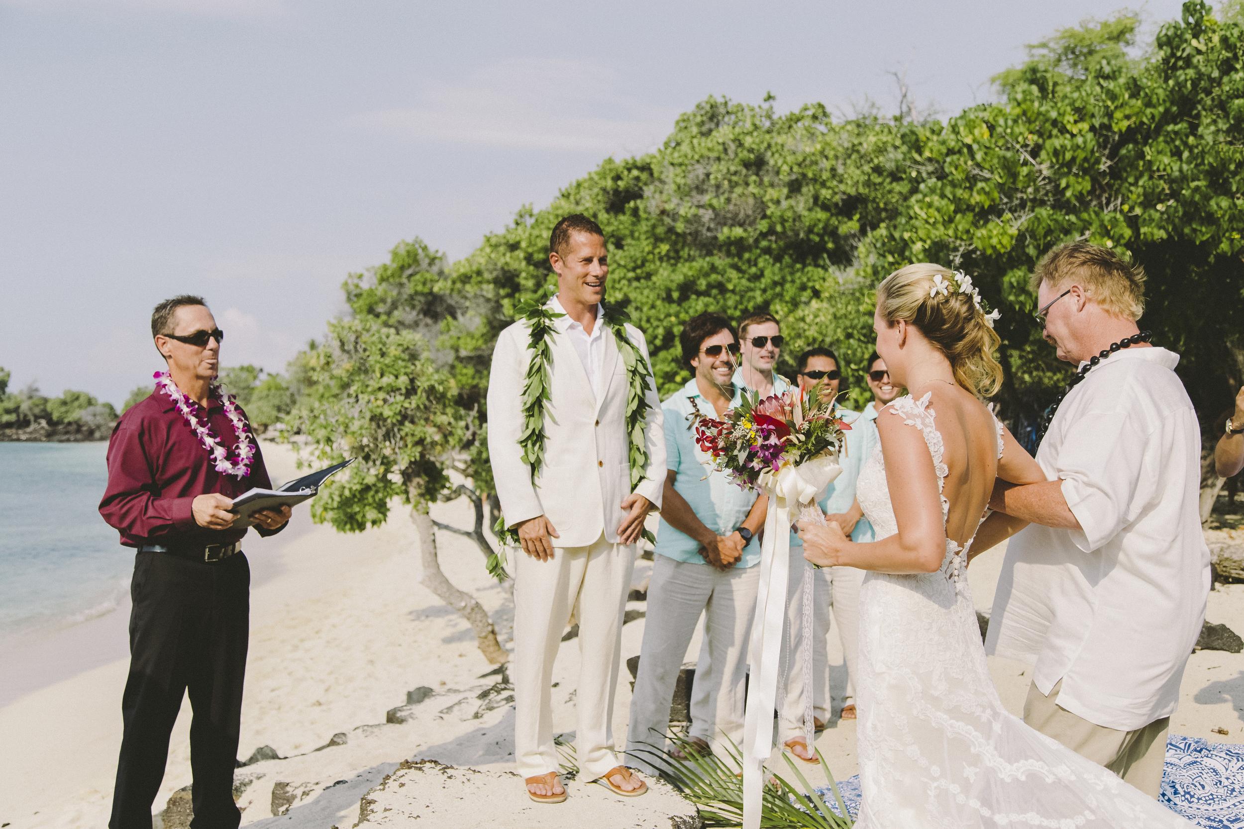 angie-diaz-photography-hawaii-wedding-photographer-kelli-jay-57.jpg