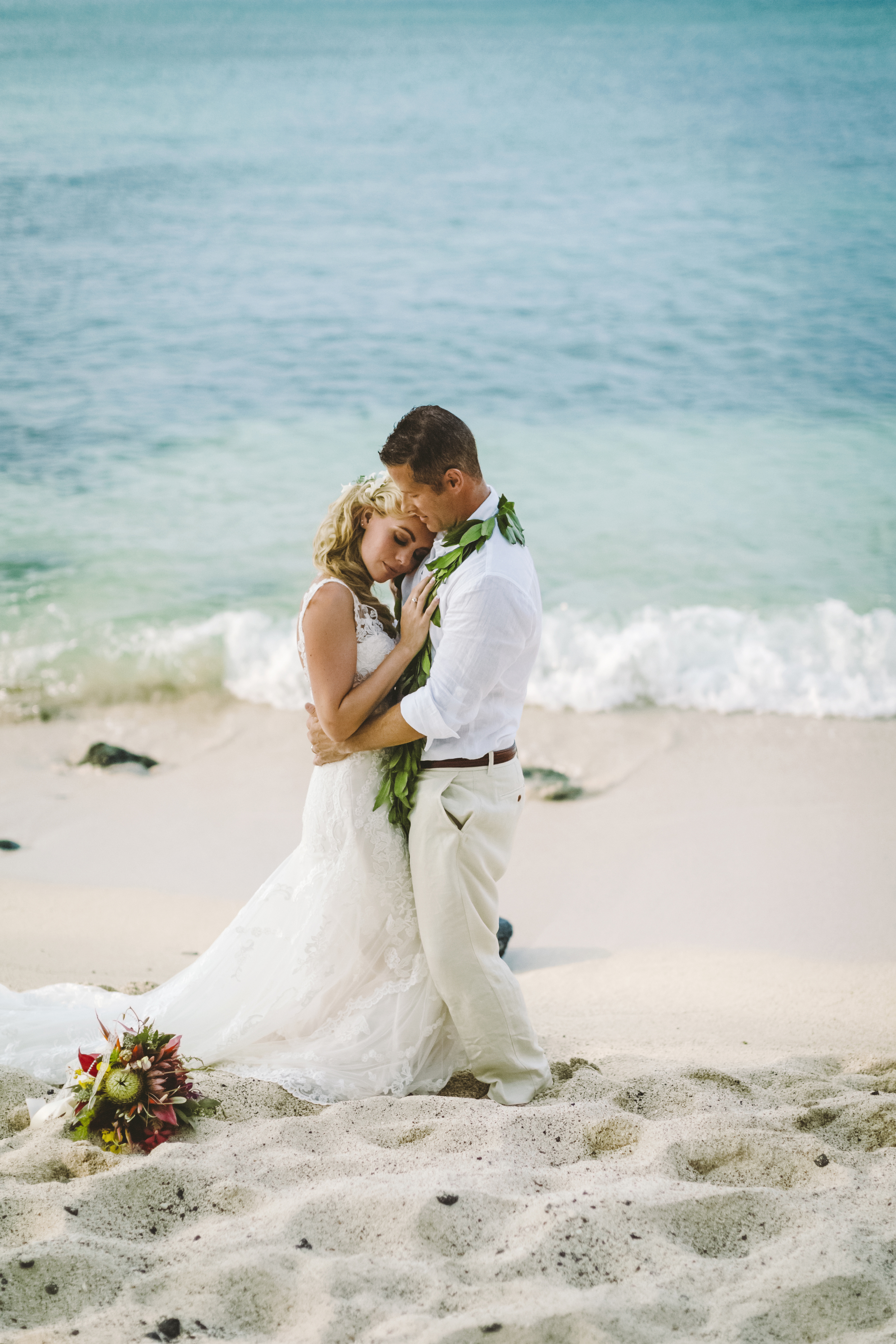 angie-diaz-photography-hawaii-wedding-photographer-kelli-jay-87.jpg