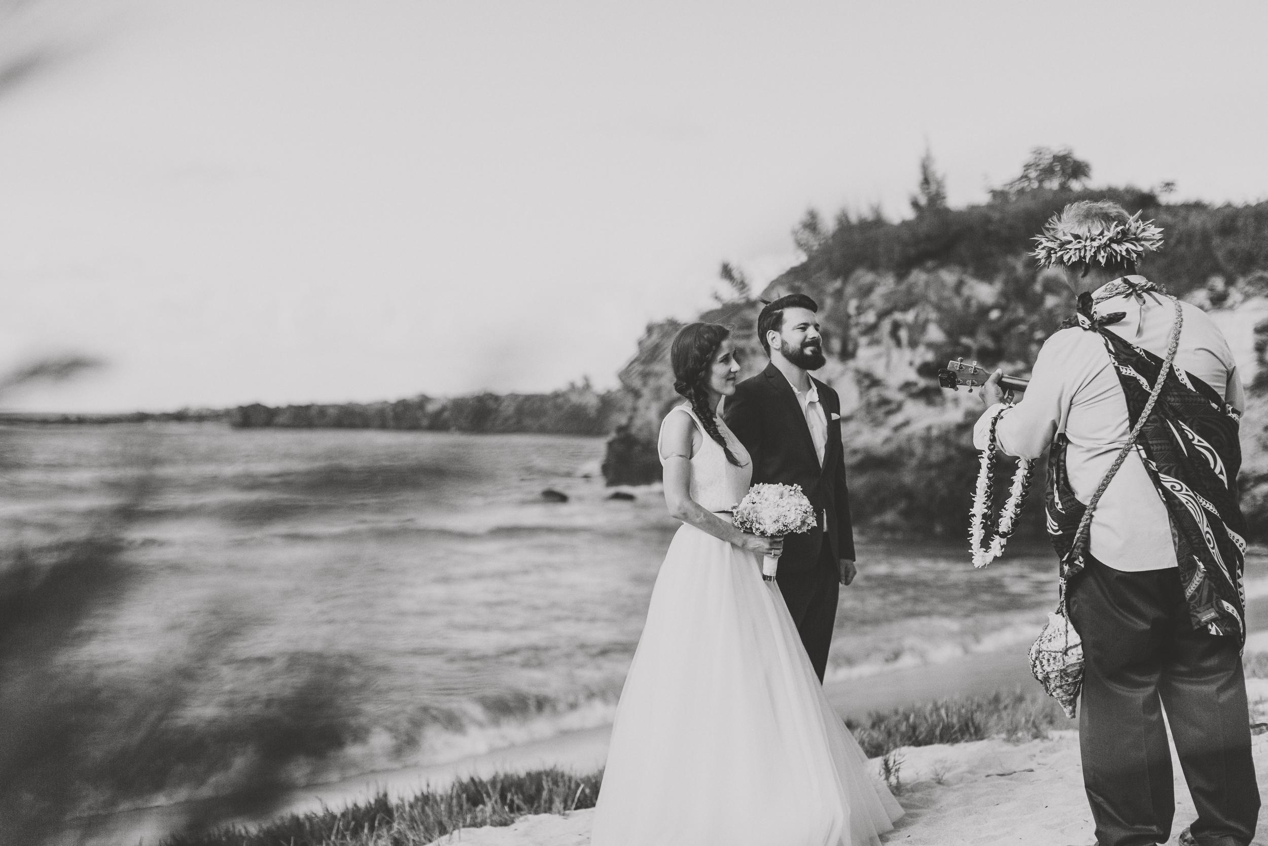 angie-diaz-photography-maui-wedding-ironwoods-beach-9.jpg
