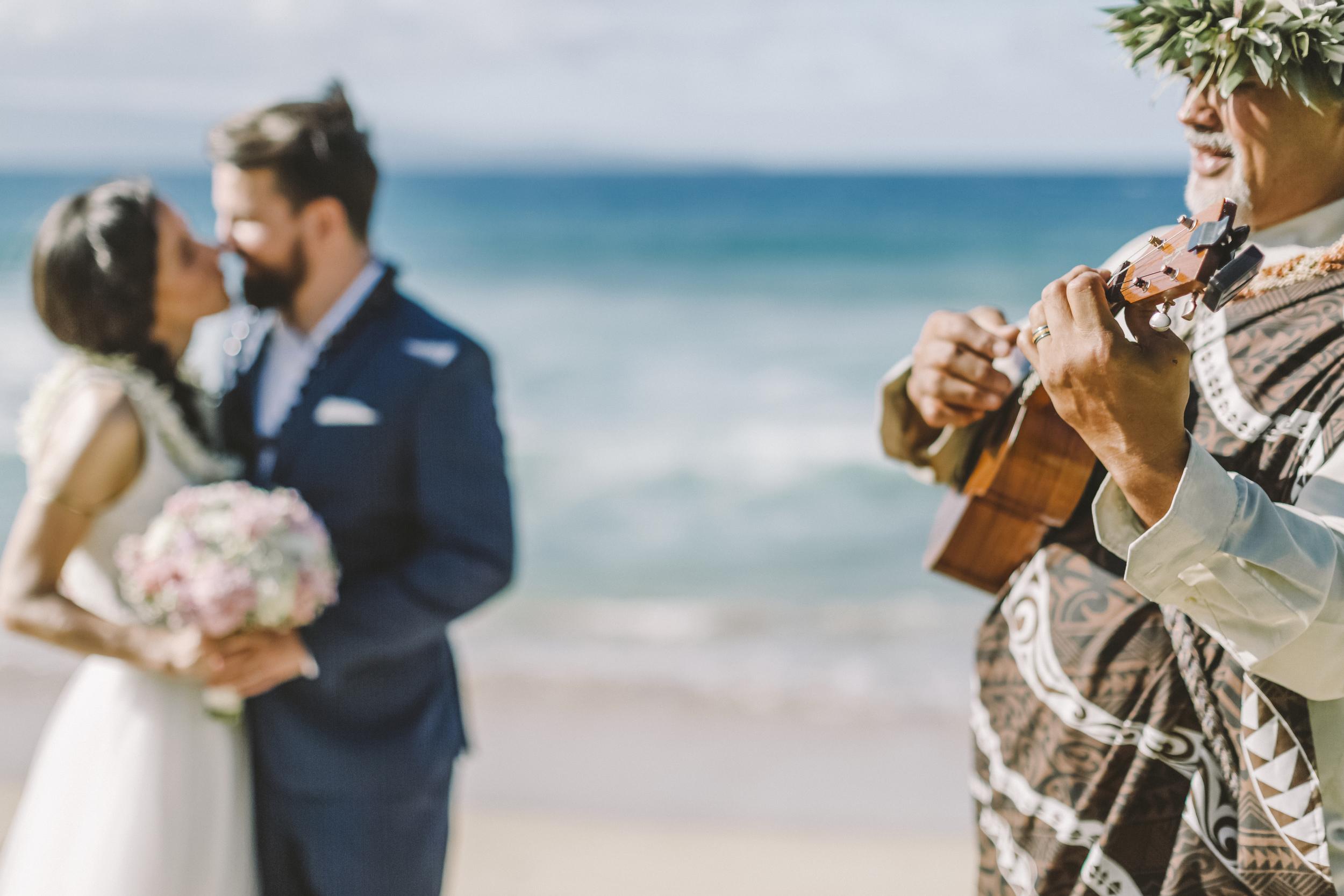 angie-diaz-photography-maui-wedding-ironwoods-beach-21.jpg