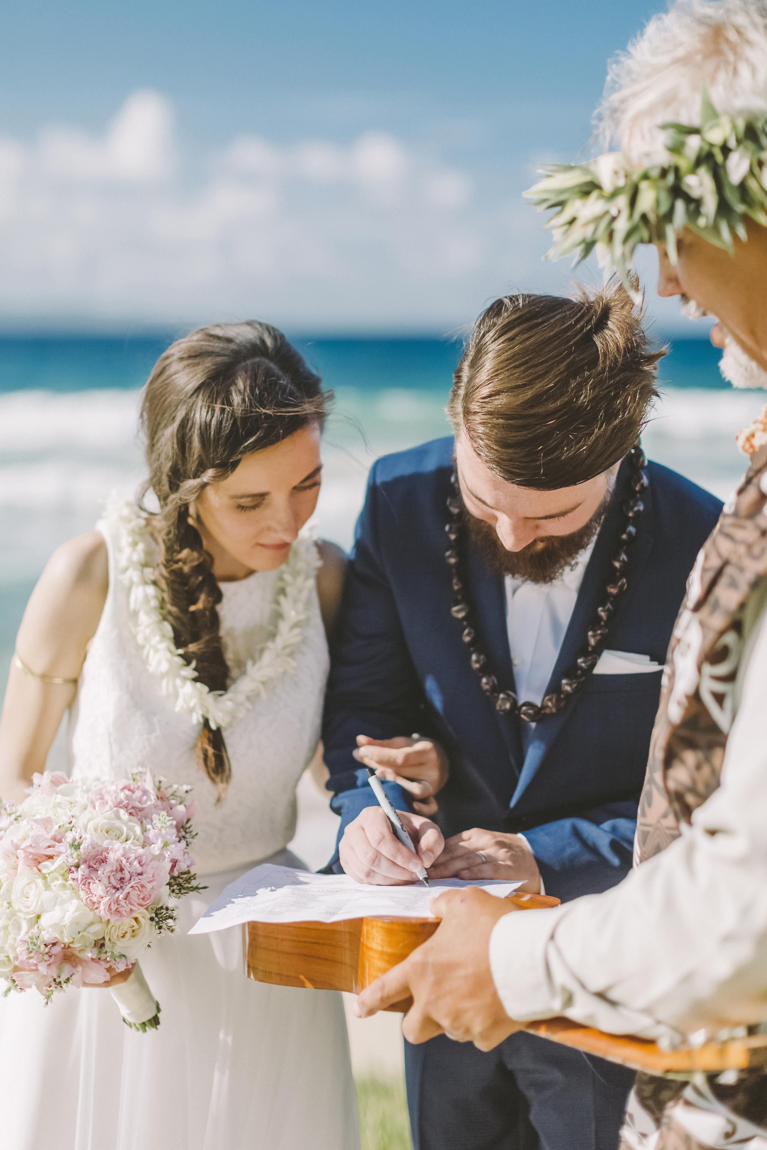 angie-diaz-photography-maui-wedding-ironwoods-beach-23.jpg