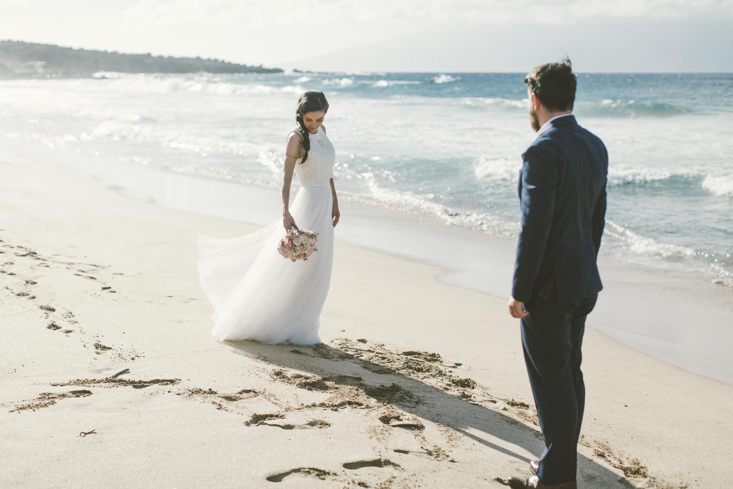 angie-diaz-photography-maui-wedding-ironwoods-beach-31.jpg