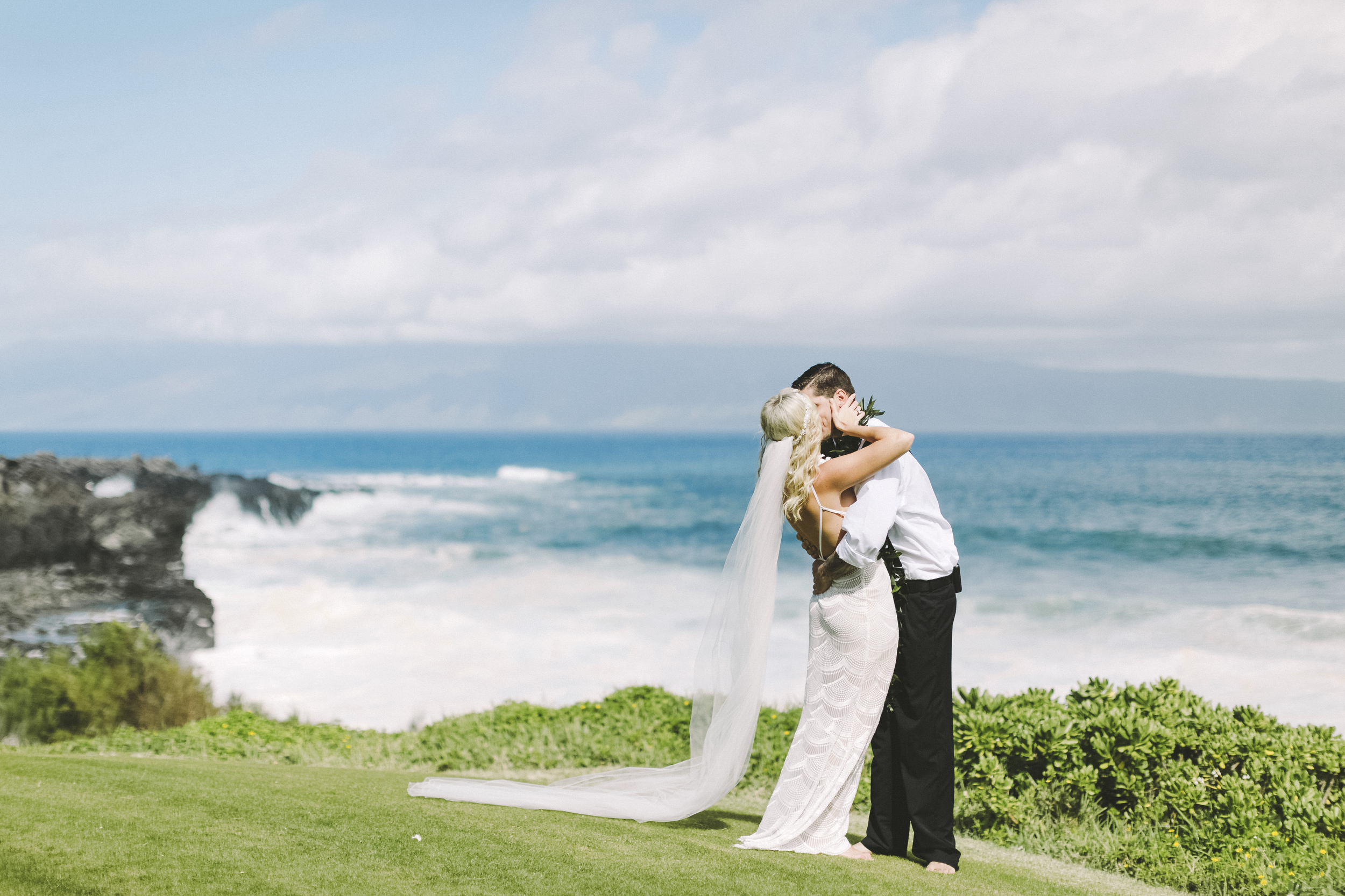 angie-diaz-photography-hawaii-wedding-21.jpg