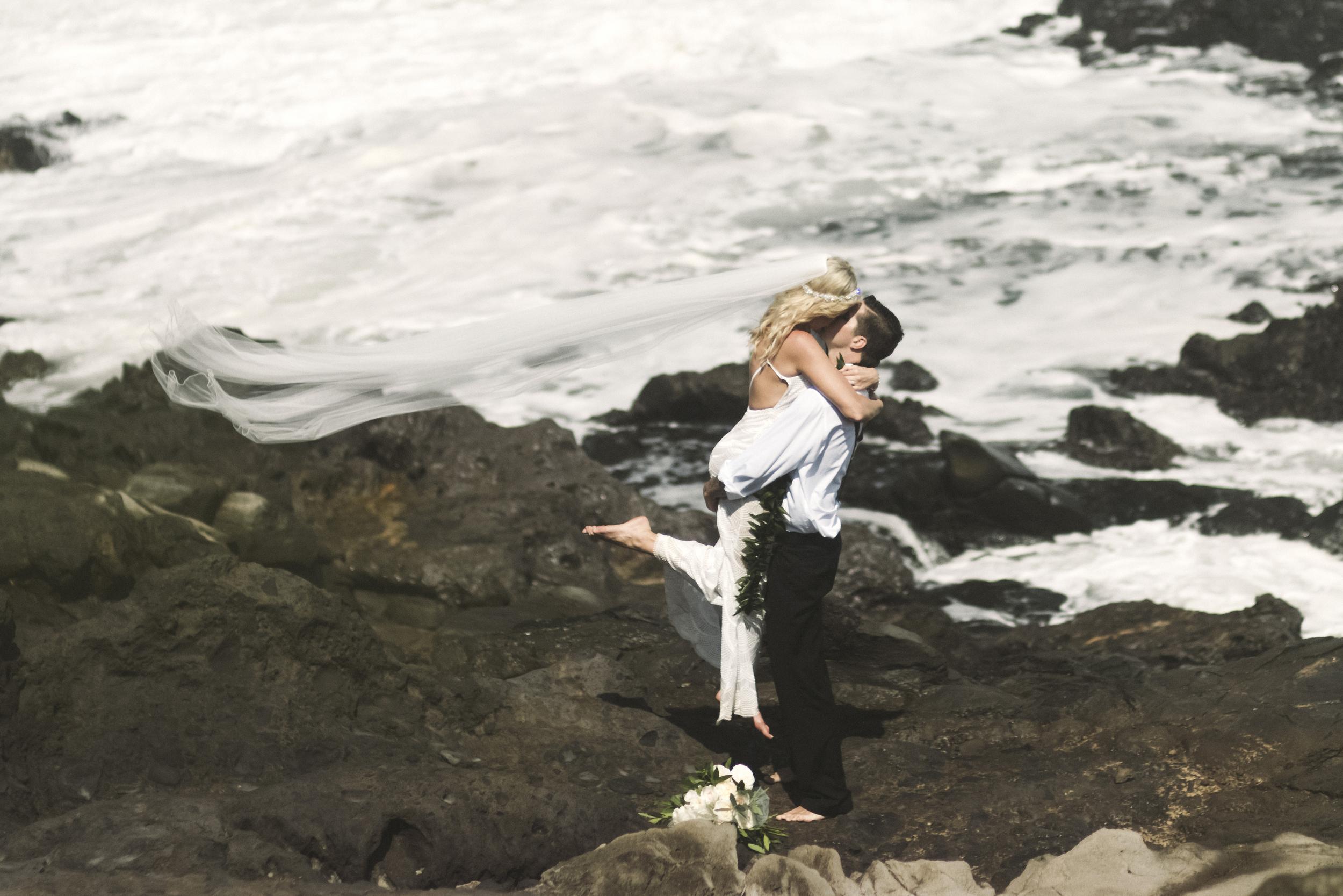 angie-diaz-photography-hawaii-wedding-47.jpg
