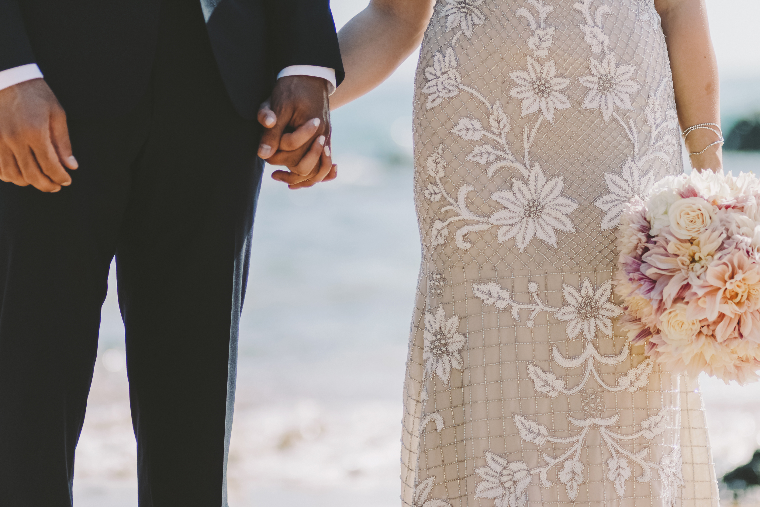 angie-diaz-photography-mokapu-beach-maui-elopement-20.jpg