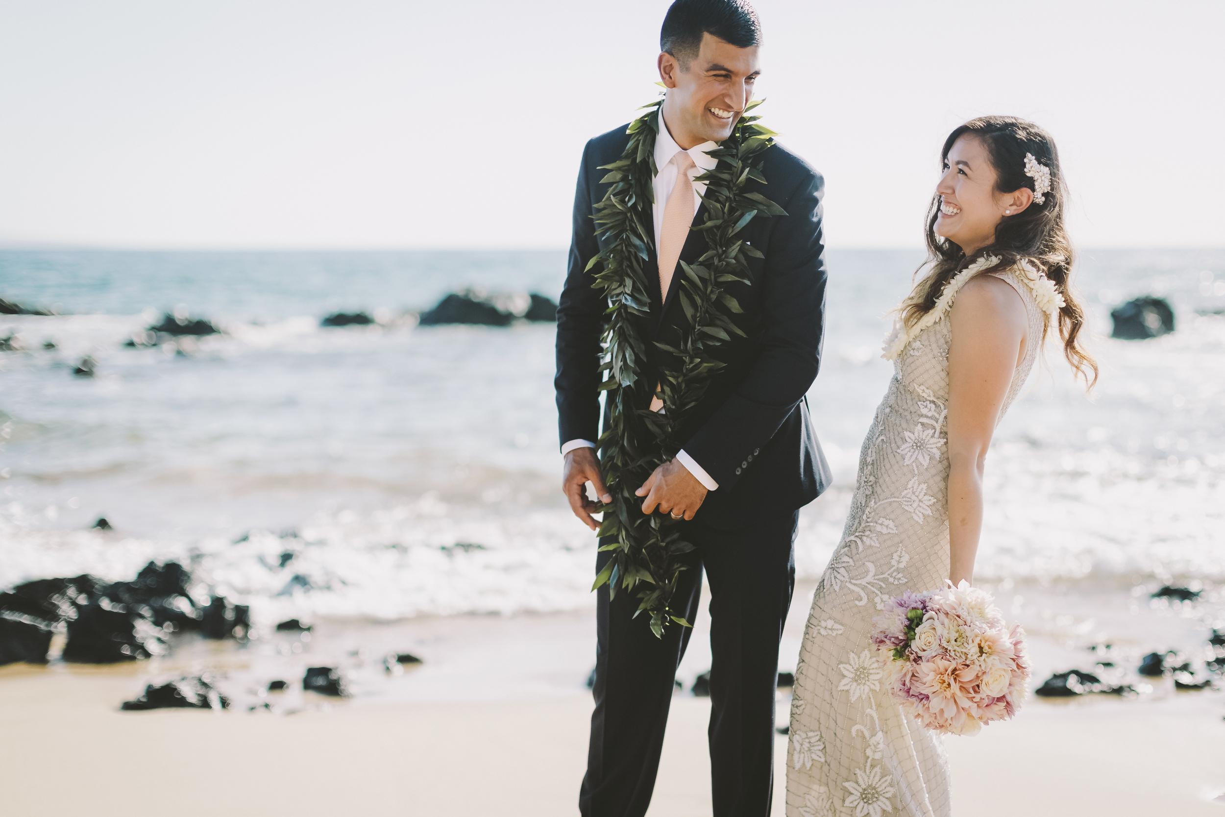 angie-diaz-photography-mokapu-beach-maui-elopement-41.jpg