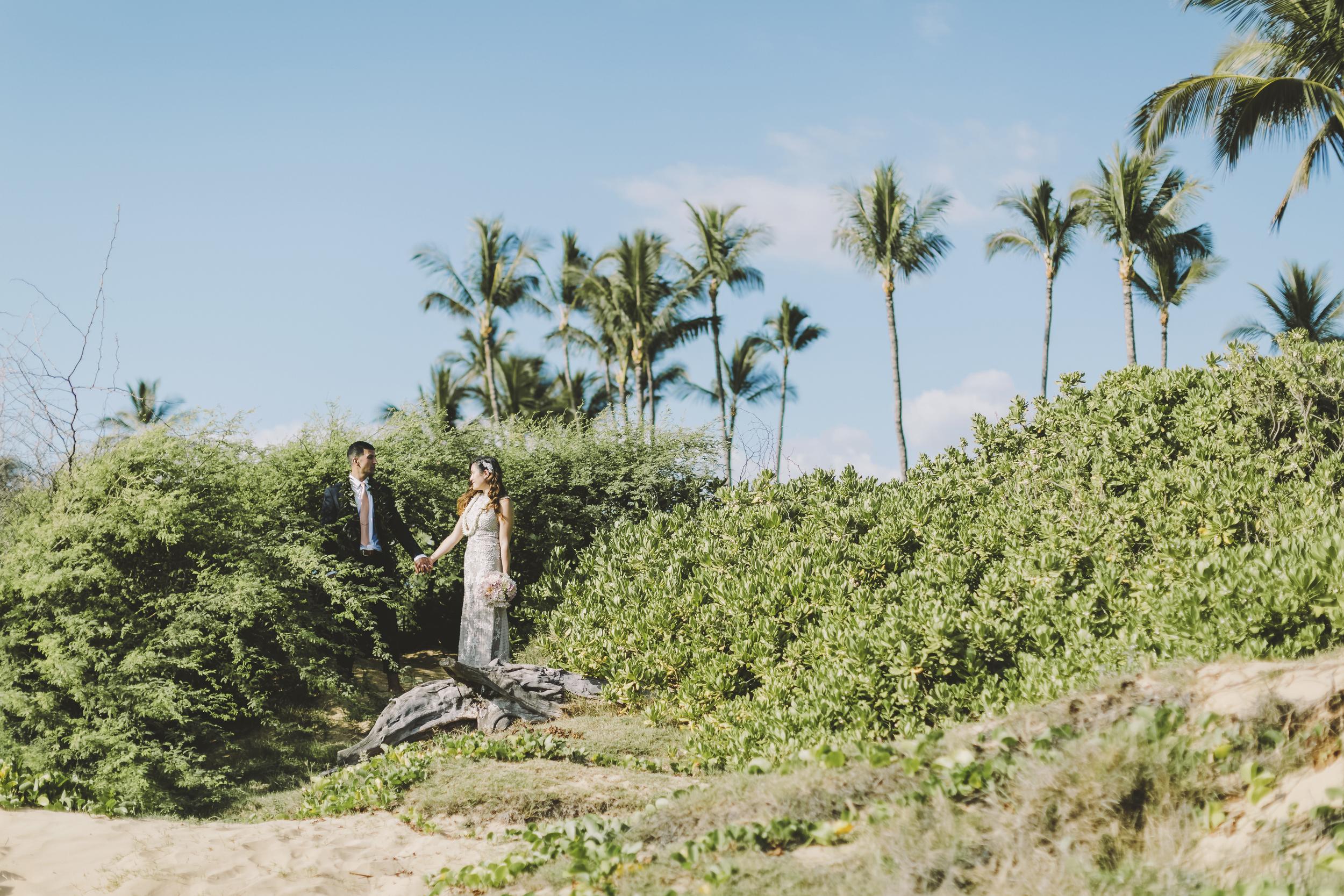 angie-diaz-photography-mokapu-beach-maui-elopement-52.jpg