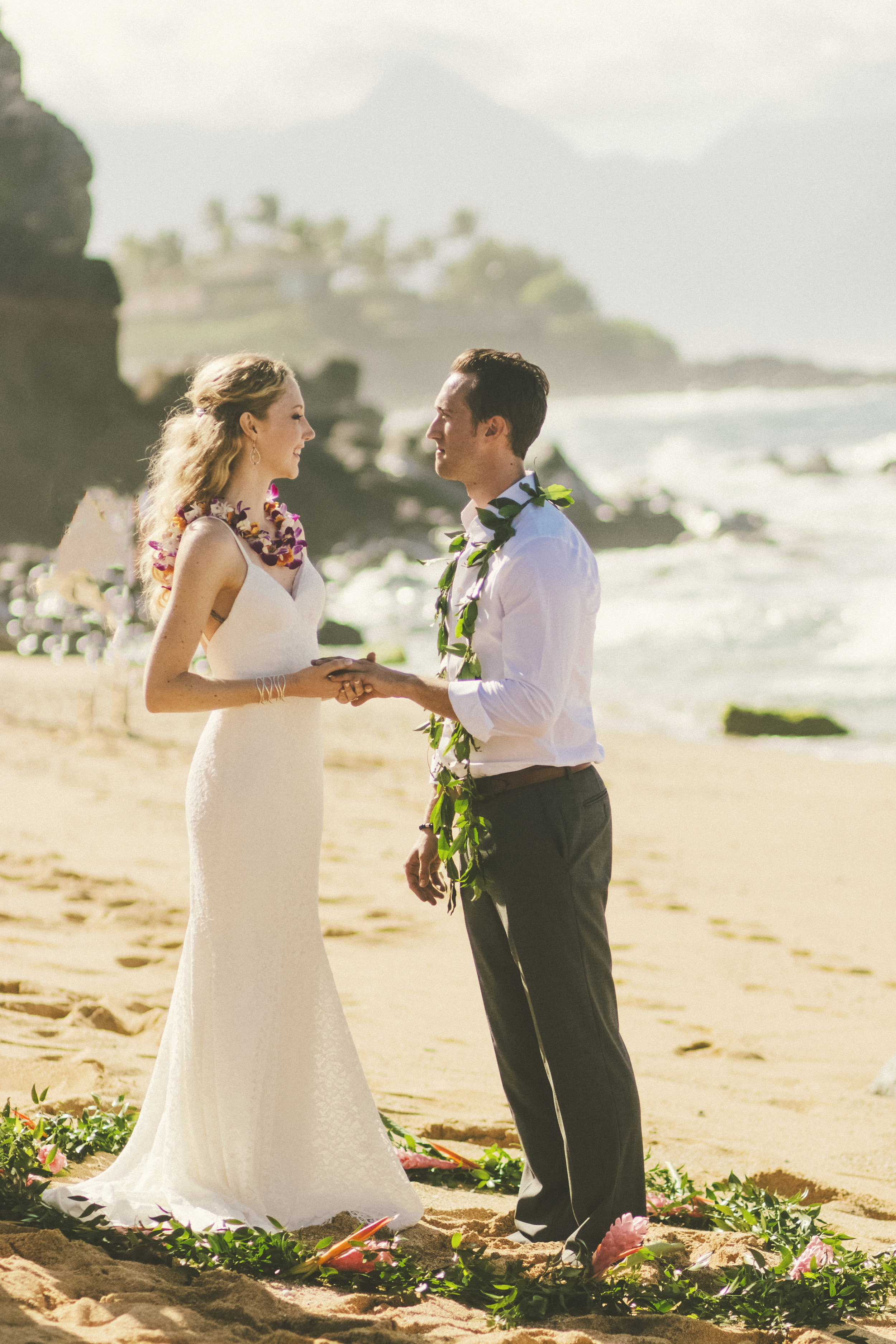 angie-diaz-photography-maui-wedding-50.jpg
